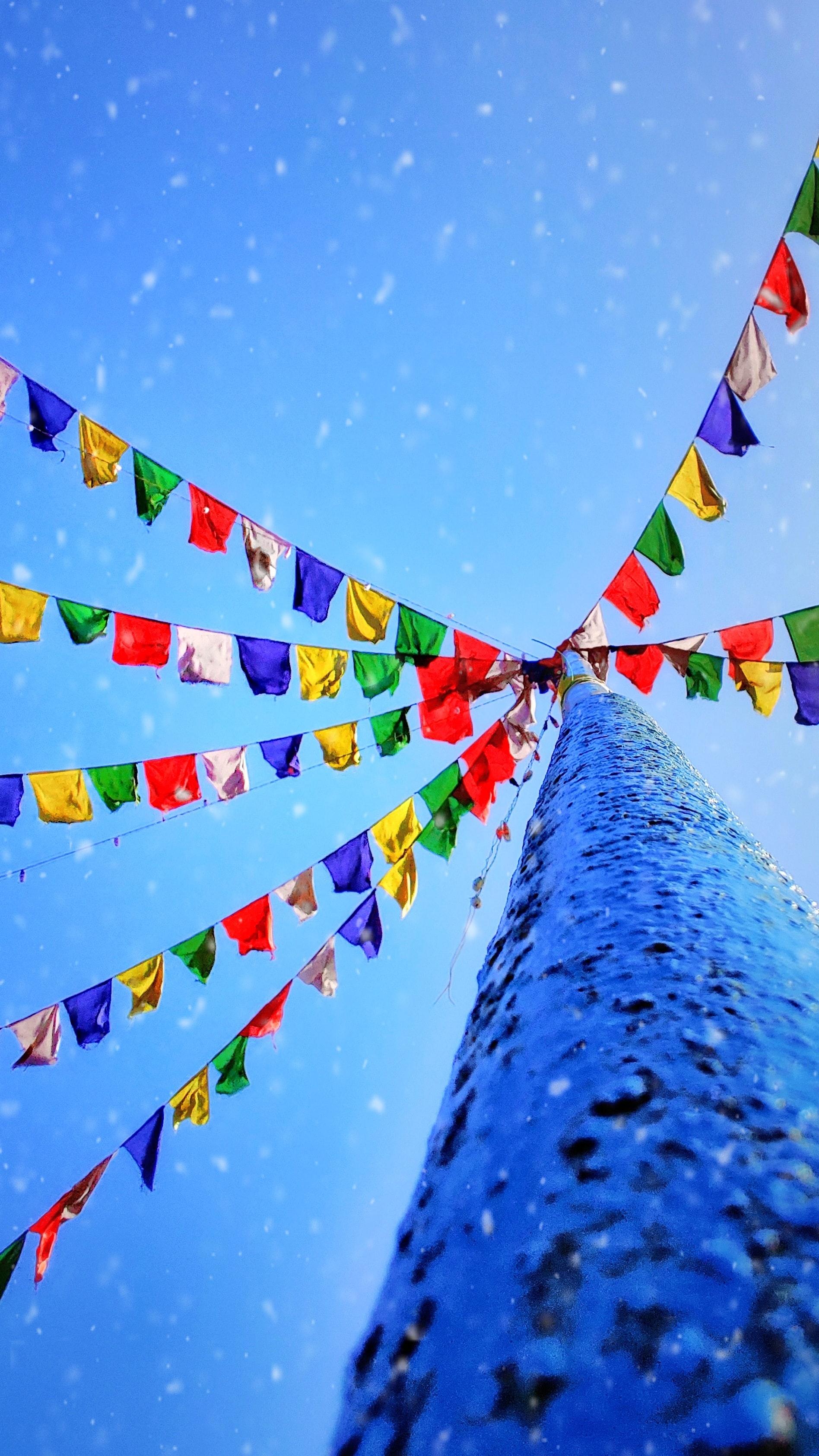 76767 Заставки и Обои Флаги на телефон. Скачать Флаги, Снег, Разное, Разноцветный, Праздник картинки бесплатно