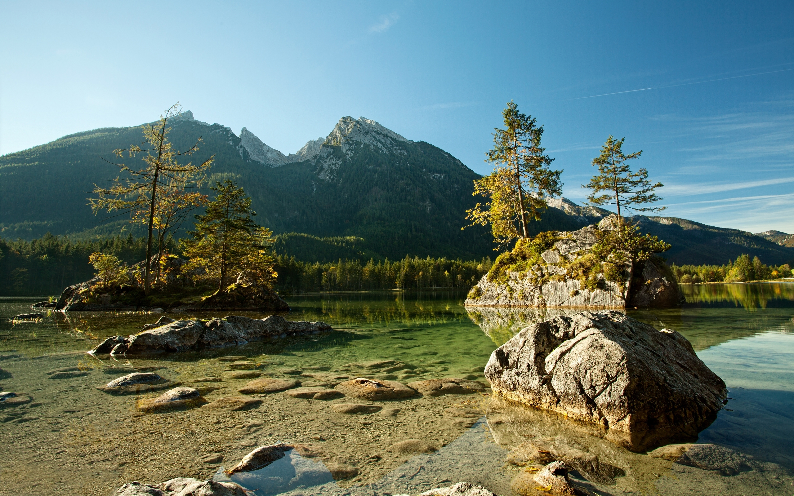 31871 download wallpaper Landscape, Rivers, Mountains screensavers and pictures for free