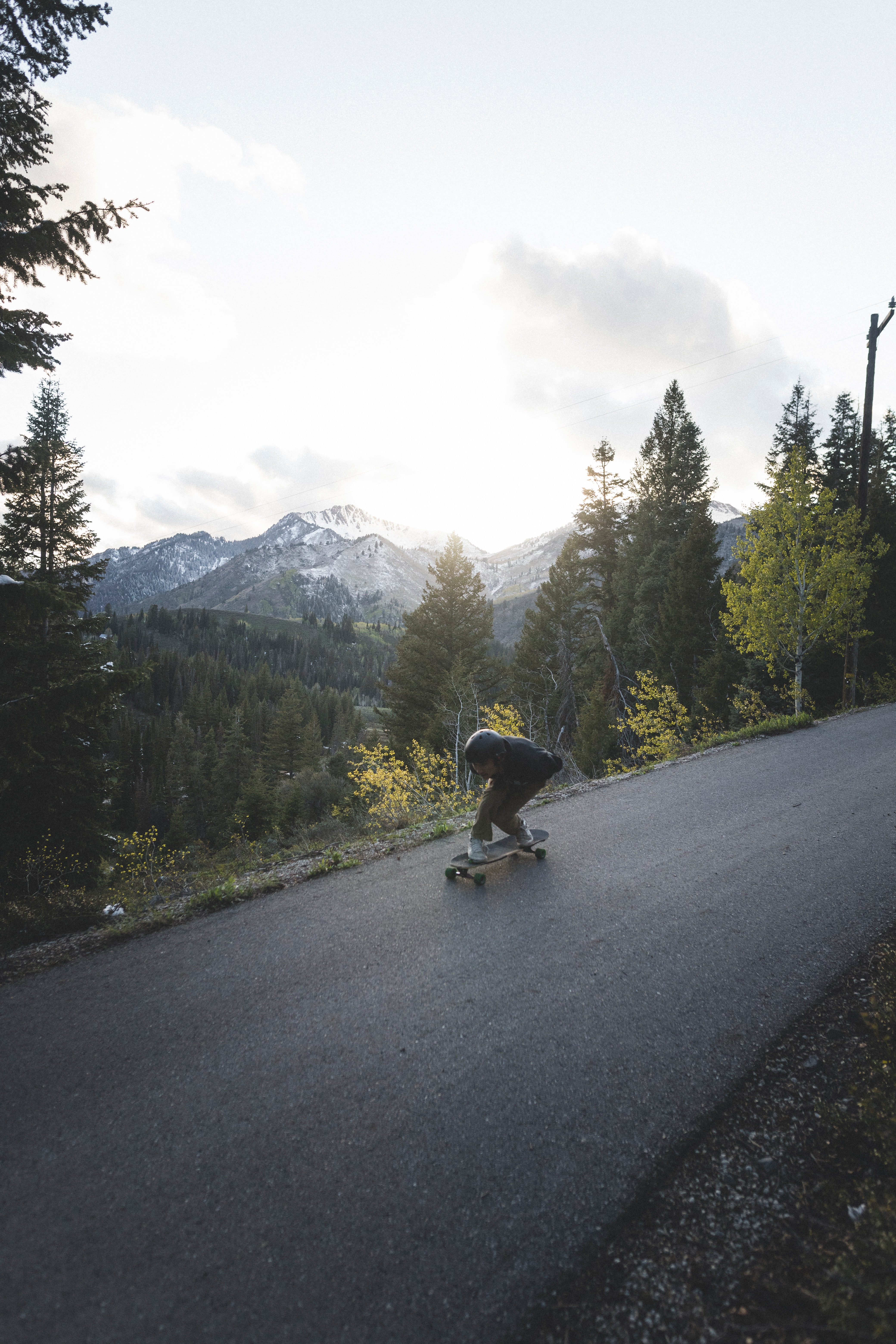 151081 скачать обои Разное, Человек, Скейт, Шлем, Склон, Горы - заставки и картинки бесплатно