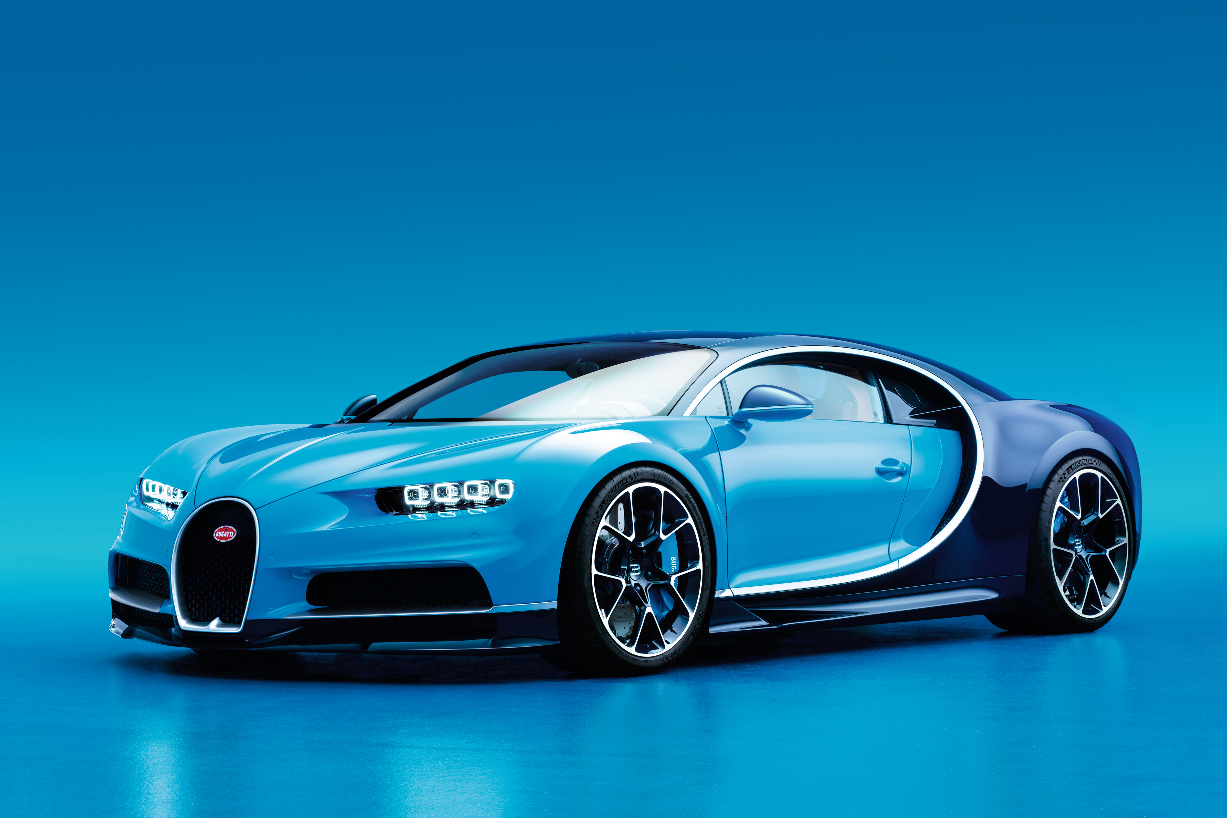 151511 download wallpaper Bugatti, Cars, Side View, Chiron screensavers and pictures for free