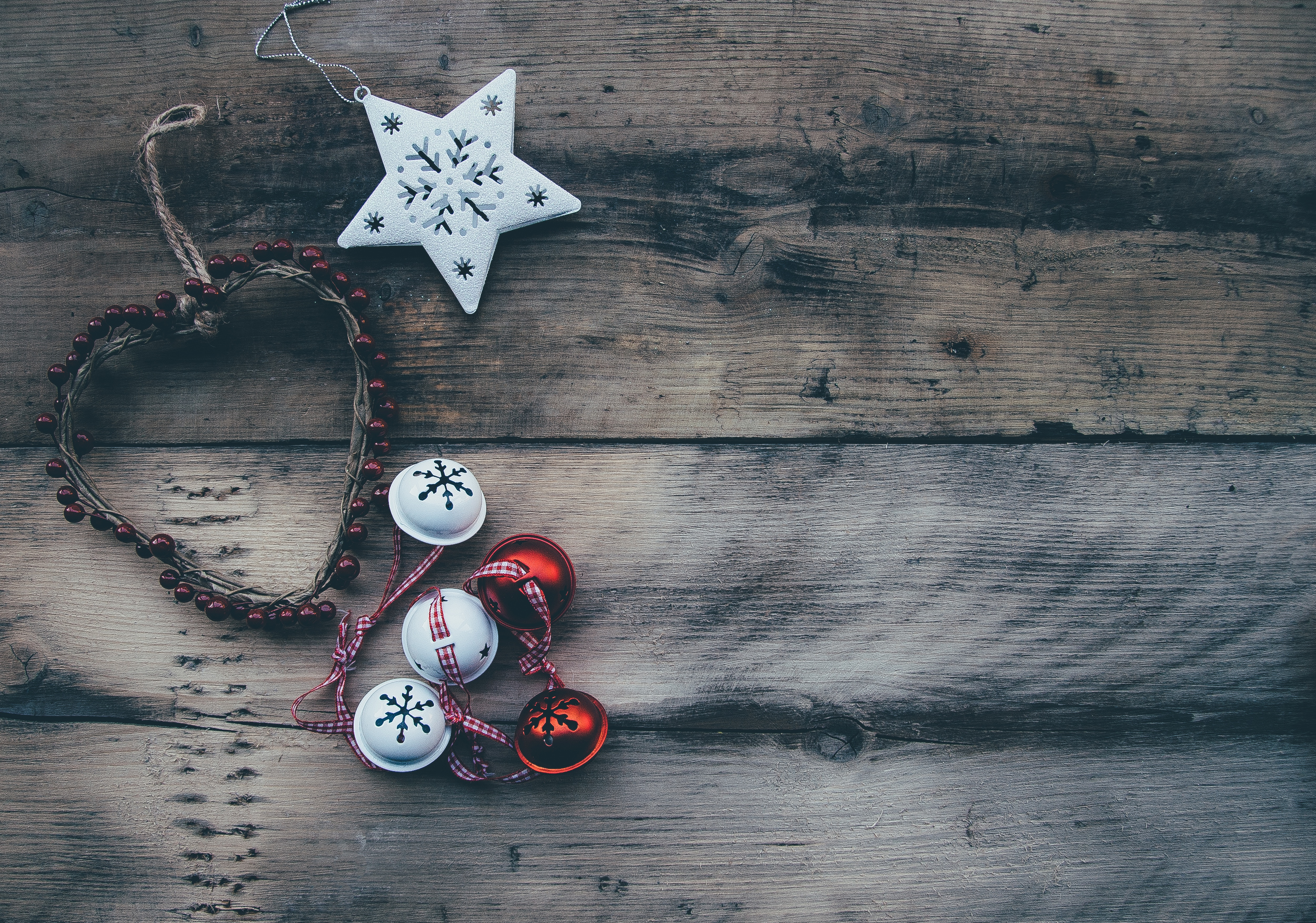 56745 download wallpaper Miscellanea, Miscellaneous, Christmas, Ball, Heart, Ornament, Star screensavers and pictures for free