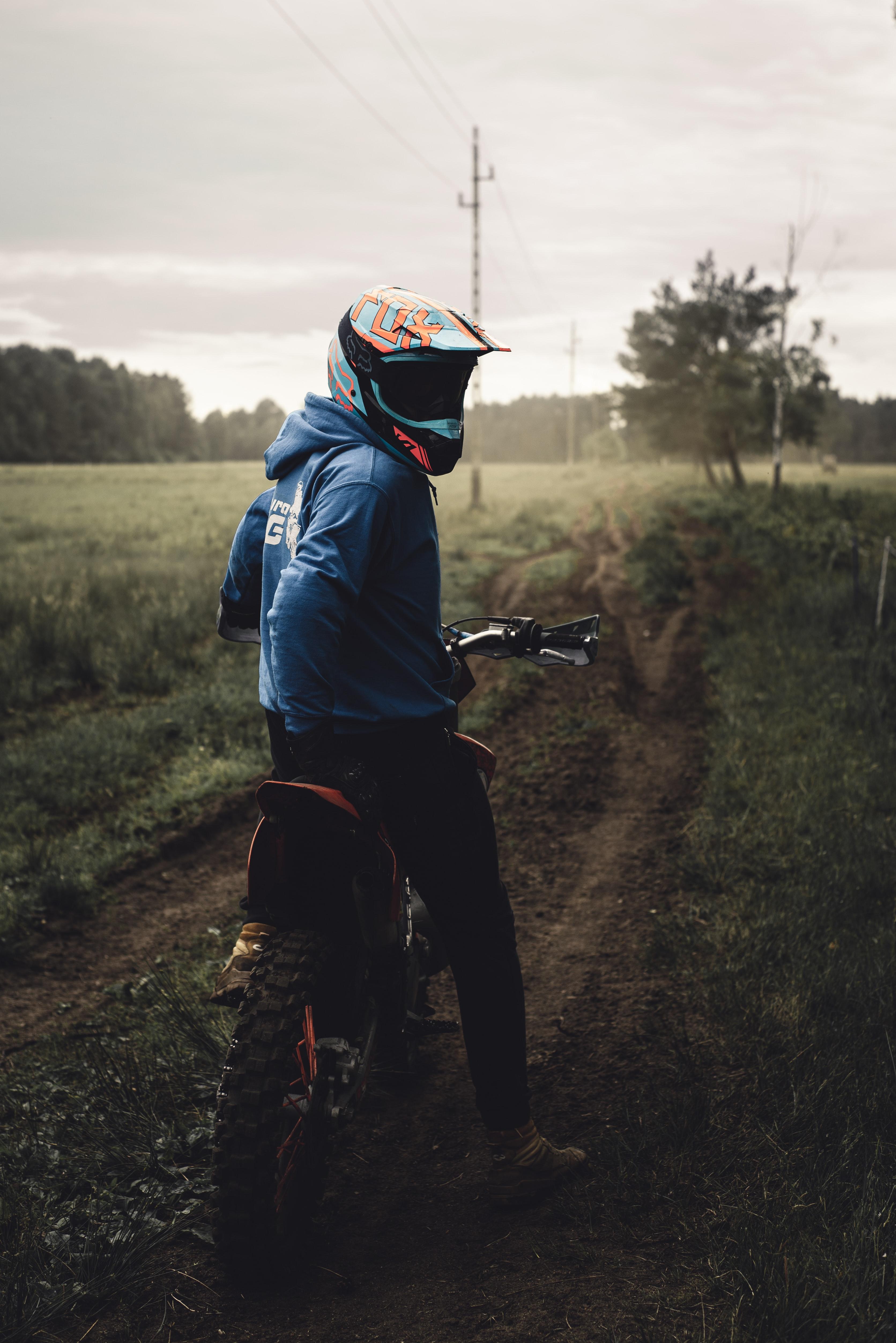 106906 скачать обои Мотоциклы, Байк, Мотоцикл, Мотоциклист, Шлем - заставки и картинки бесплатно