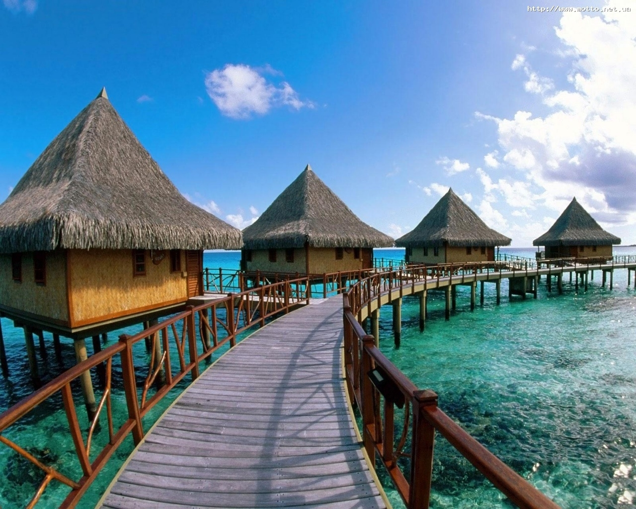 307 download wallpaper Landscape, Water, Houses, Sky, Sea screensavers and pictures for free