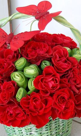 66489 descargar fondo de pantalla Flores, Cesta, Canasta, Composición, Mariposas, Roses: protectores de pantalla e imágenes gratis