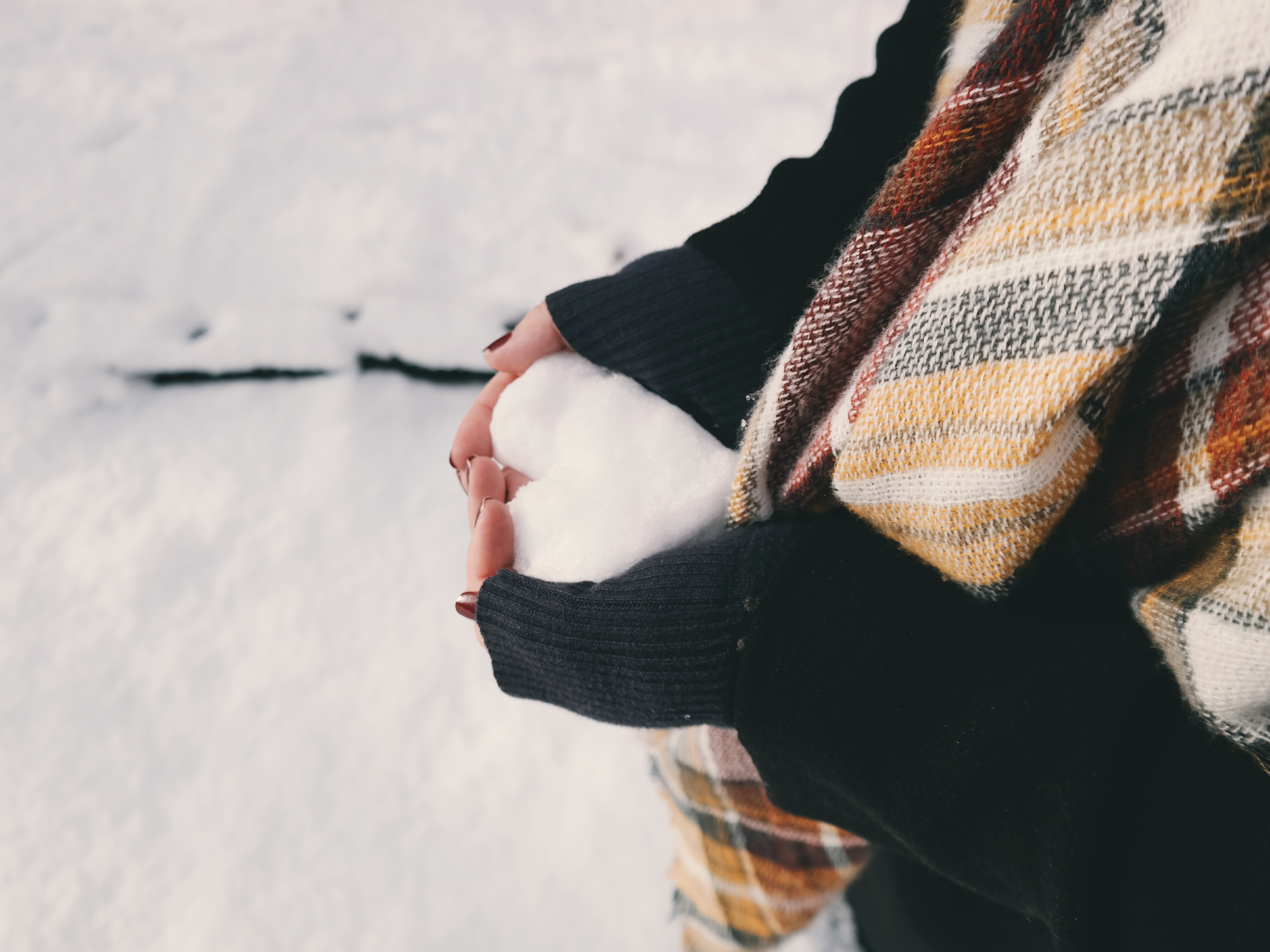 81793 Screensavers and Wallpapers Scarf for phone. Download Snow, Love, Hands, Heart, Scarf pictures for free