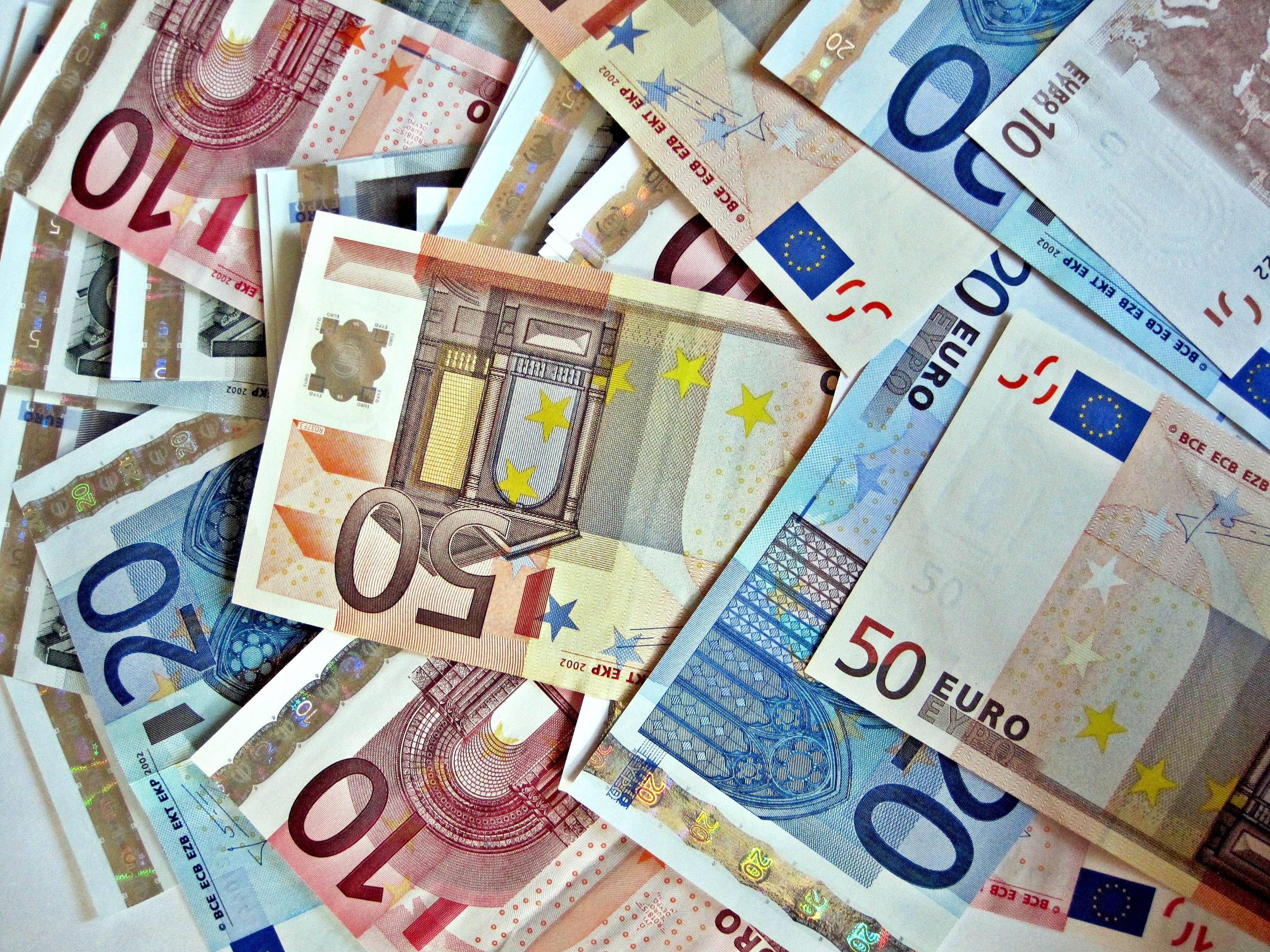 123233 скачать обои Разное, Деньги, Евро, Фон - заставки и картинки бесплатно