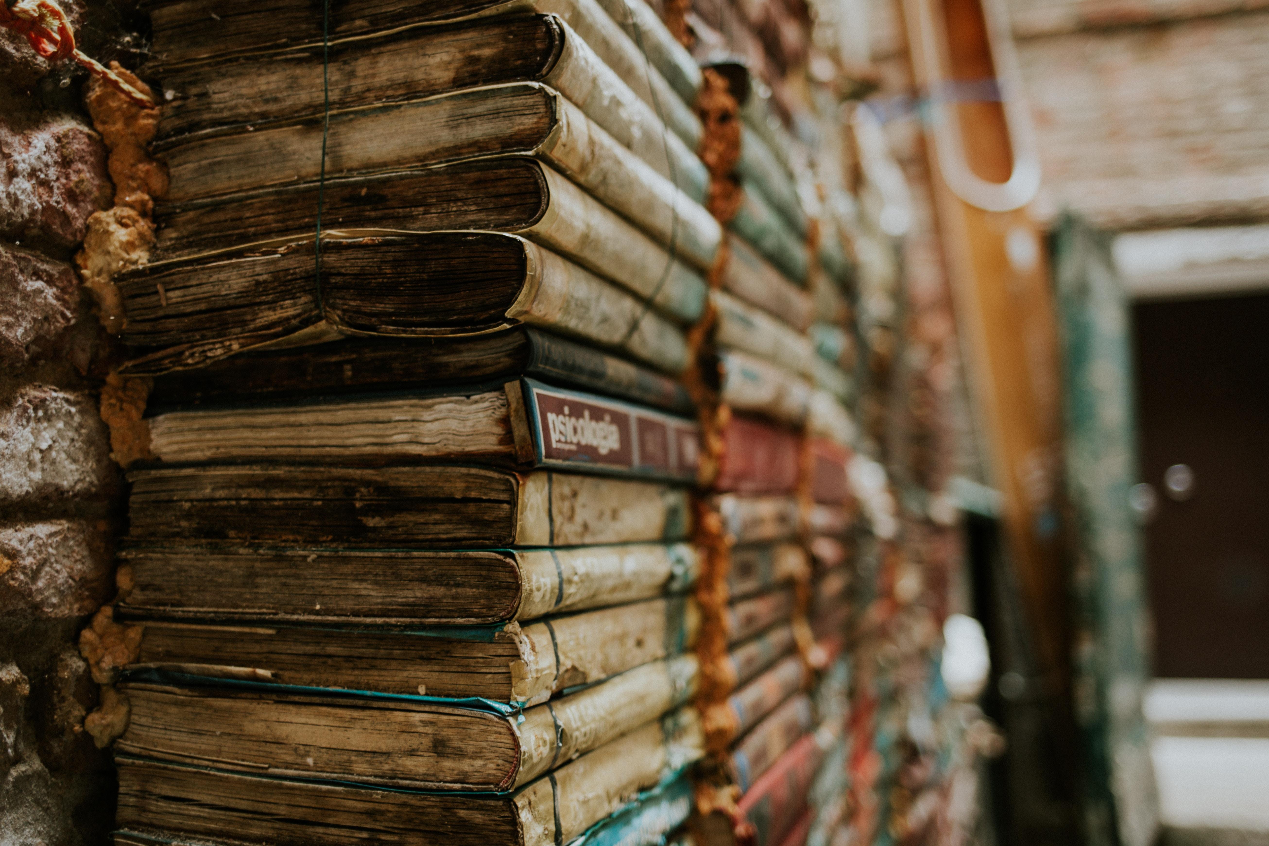 68696 скачать обои Разное, Книги, Старинный, Чтение, Связка, Стопка - заставки и картинки бесплатно