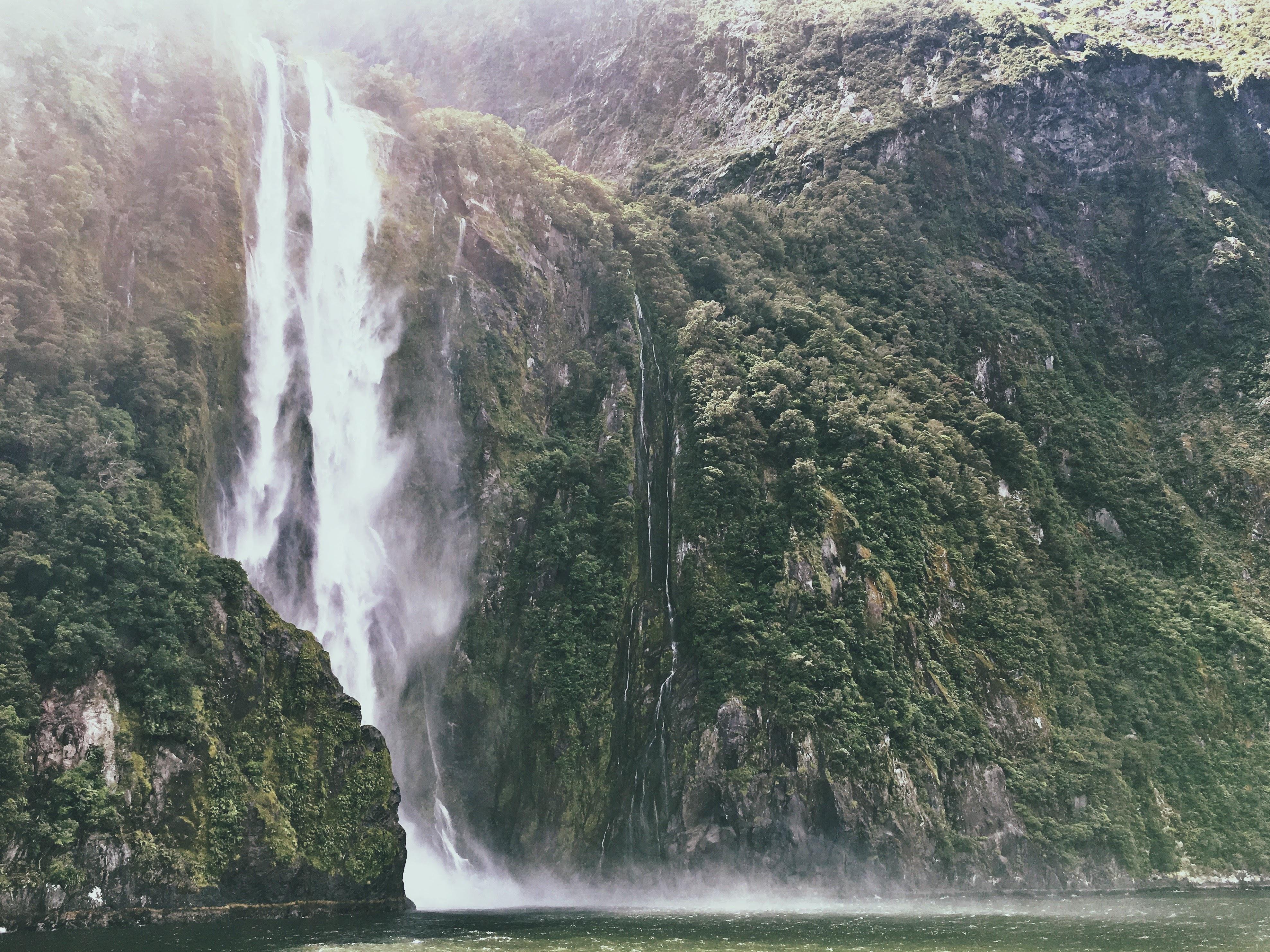 144452 descargar fondo de pantalla Naturaleza, Cascada, Rotura, Precipicio, Ríos, Montañas: protectores de pantalla e imágenes gratis
