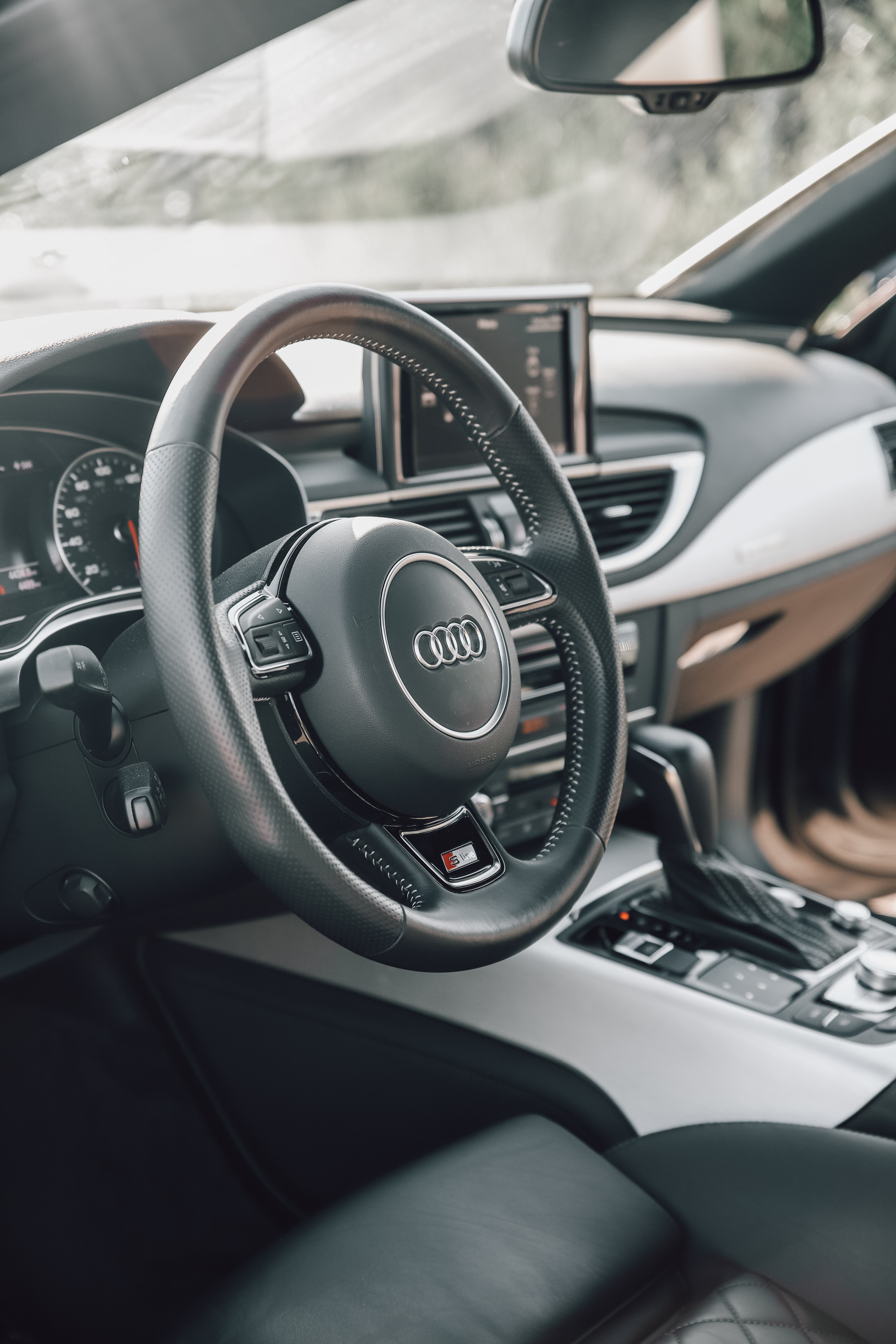105382 скачать обои Тачки (Cars), Ауди (Audi), Автомобиль, Руль, Салон, Черный - заставки и картинки бесплатно