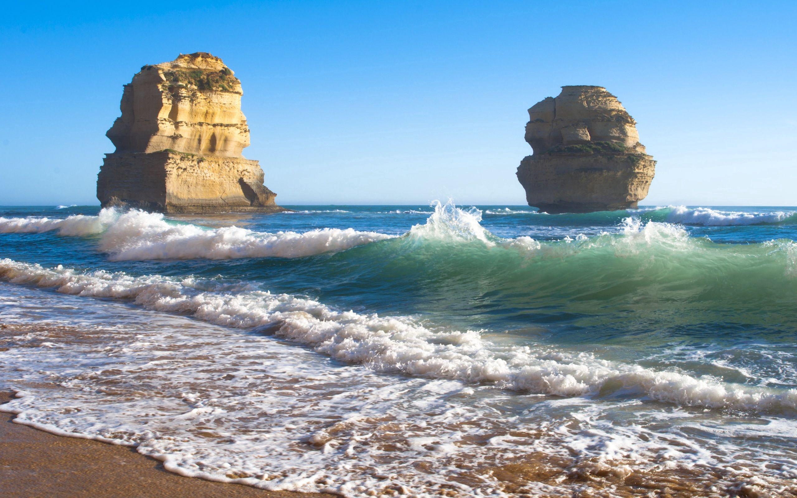 133429 Заставки и Обои Волны на телефон. Скачать Природа, Море, Пляж, Скалы, Волны картинки бесплатно
