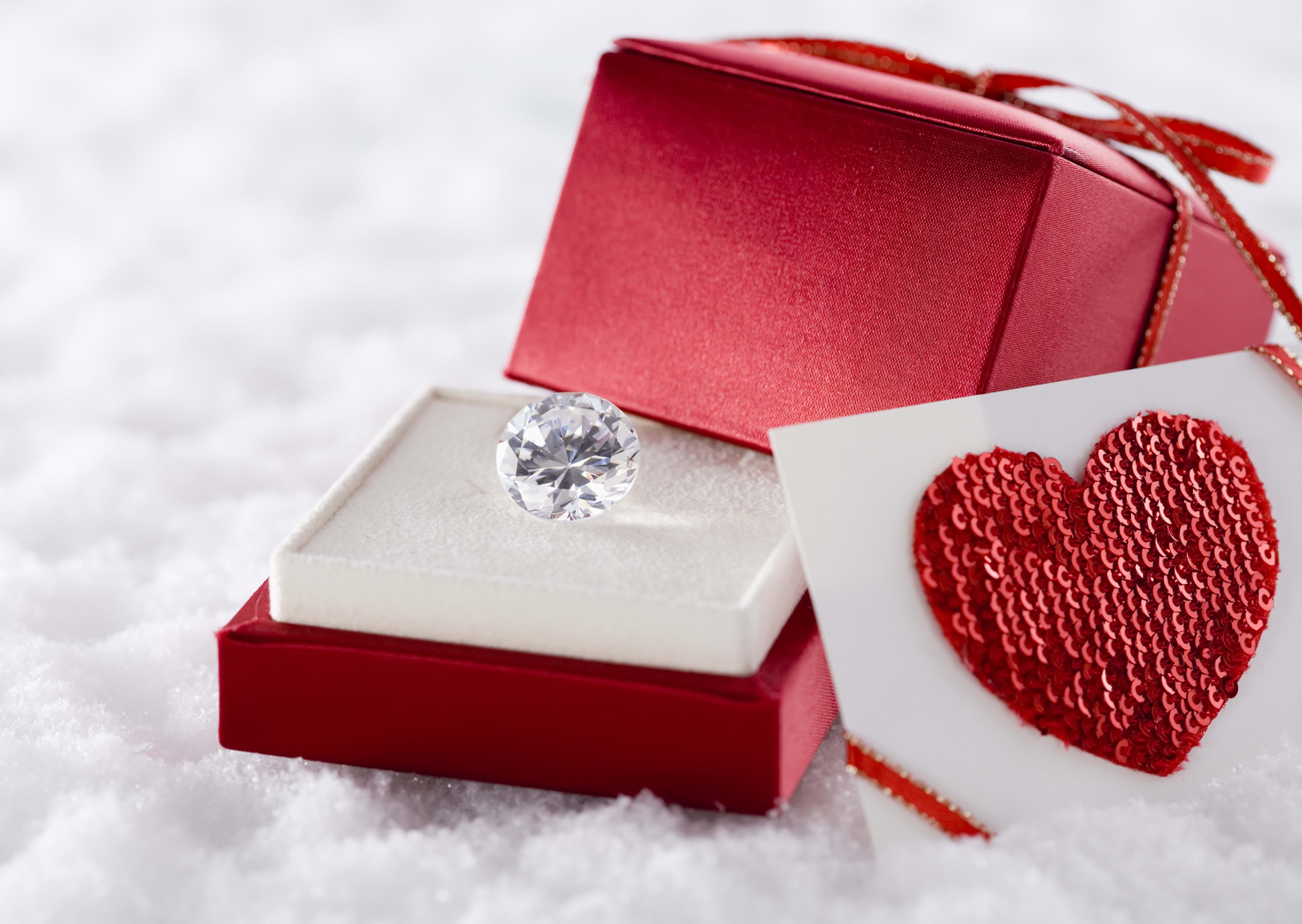84675 download wallpaper Love, Diamond, Box, Heart, Snow screensavers and pictures for free