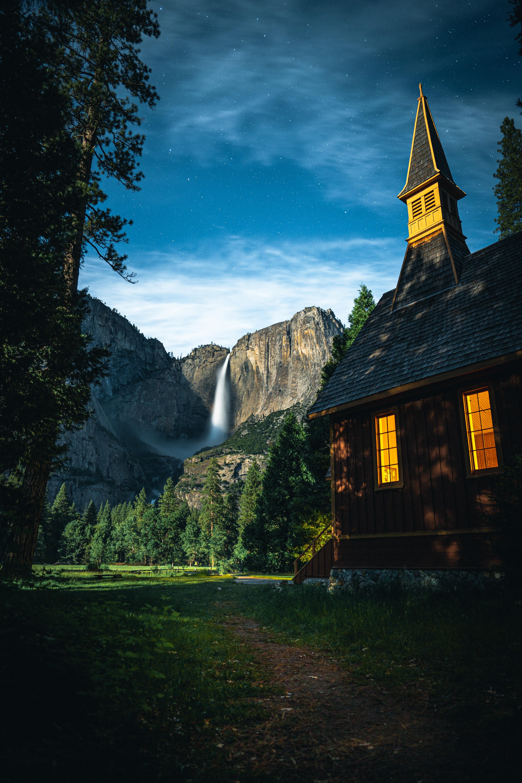 106311 скачать обои Деревья, Пейзаж, Небо, Природа, Горы, Дом - заставки и картинки бесплатно