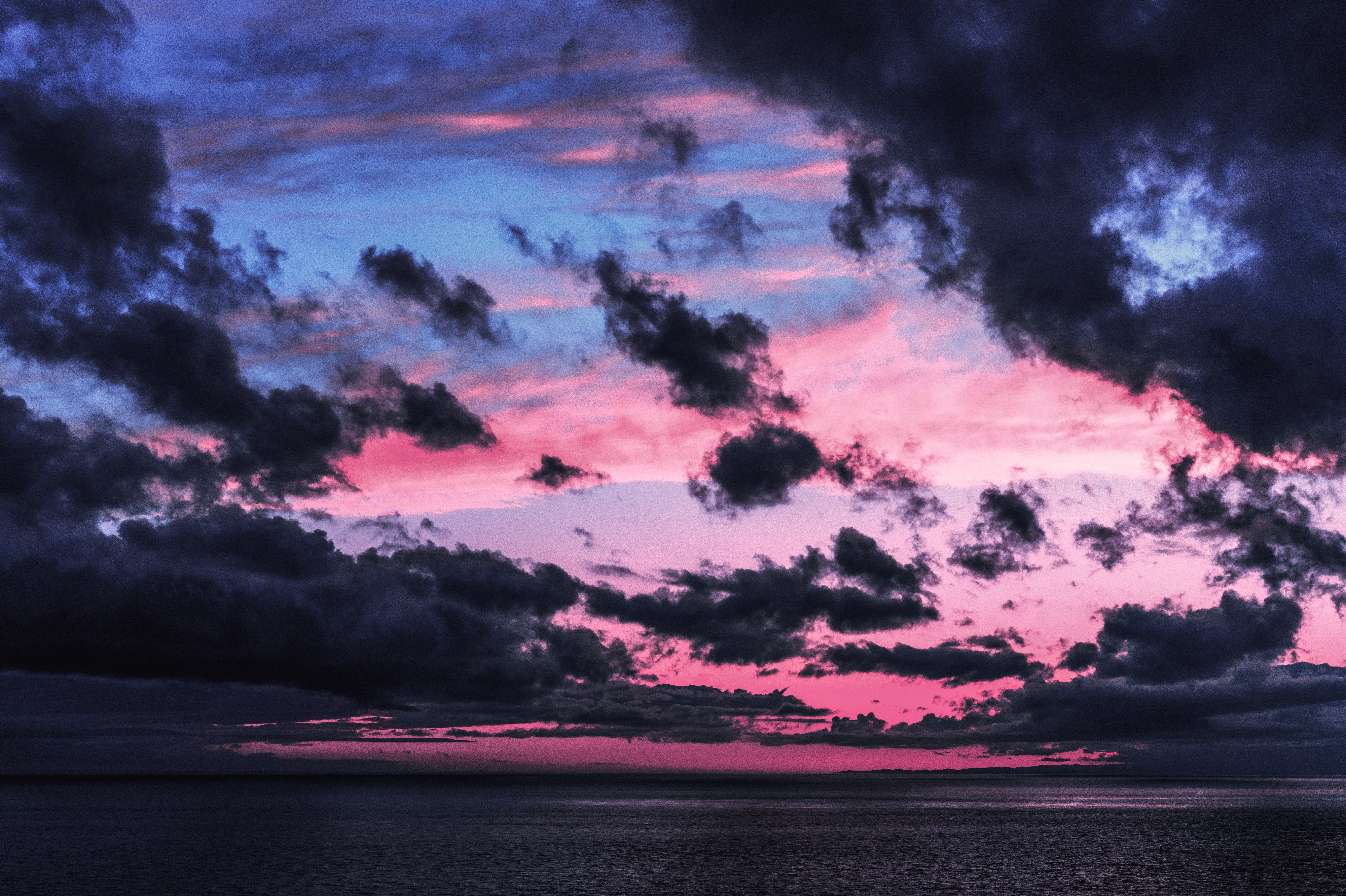 143025 download wallpaper Nature, Sky, Sea, Twilight, Clouds, Horizon, Dark, Dusk screensavers and pictures for free