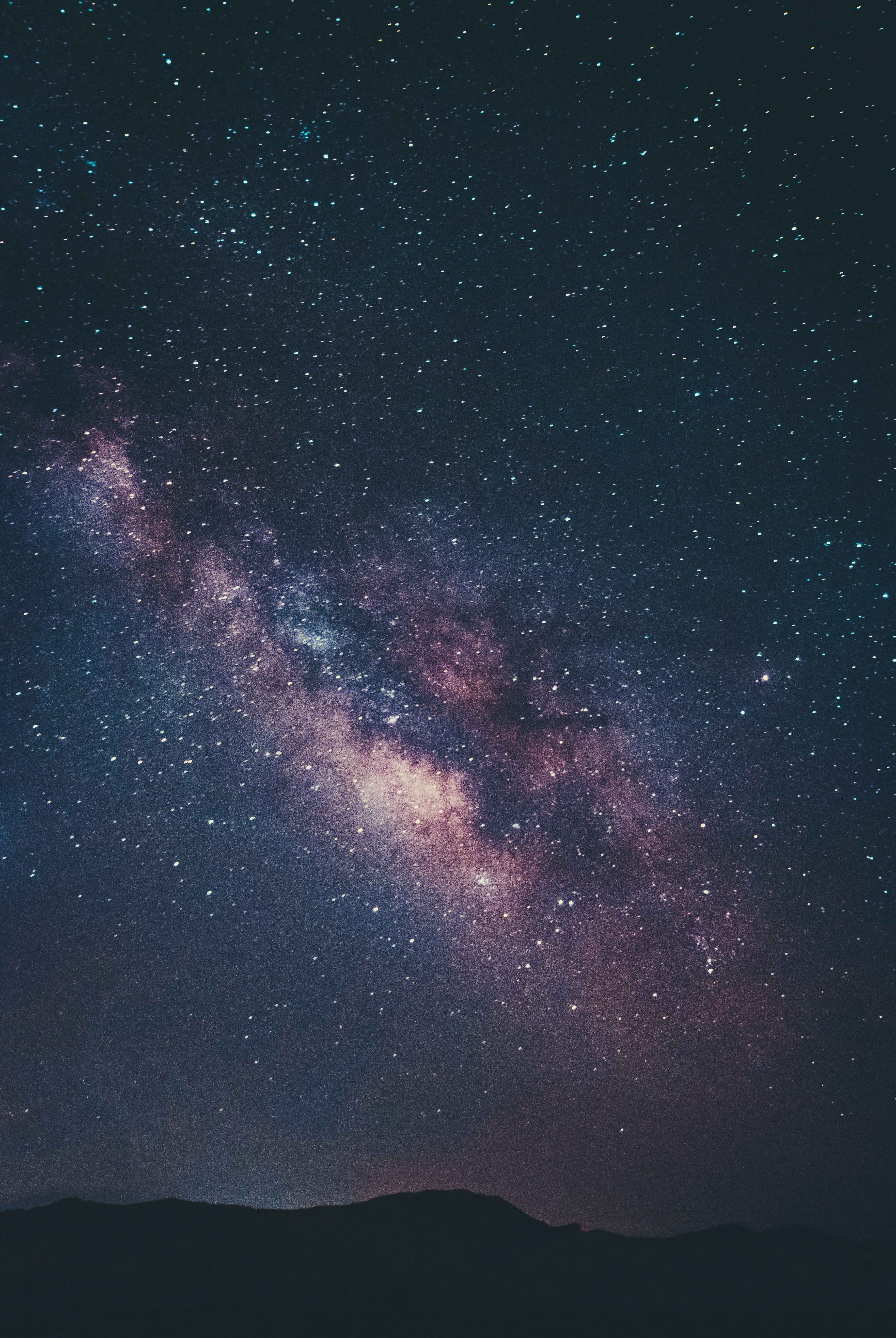 133101 скачать обои Туманность, Звездное Небо, Холмы, Ночь, Звезды, Космос - заставки и картинки бесплатно