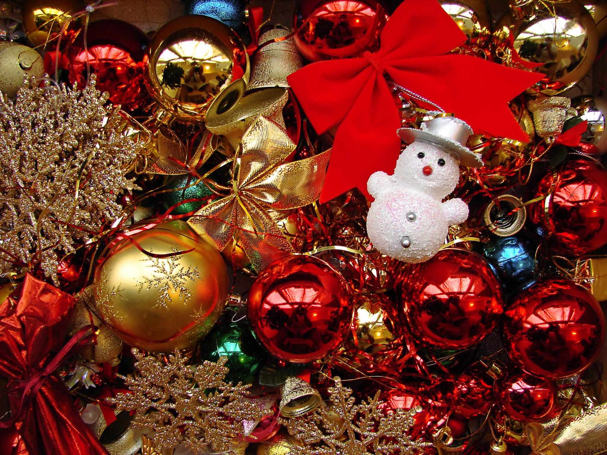 14072 скачать обои Праздники, Новый Год (New Year), Украшения, Рождество (Christmas, Xmas), Снеговики - заставки и картинки бесплатно