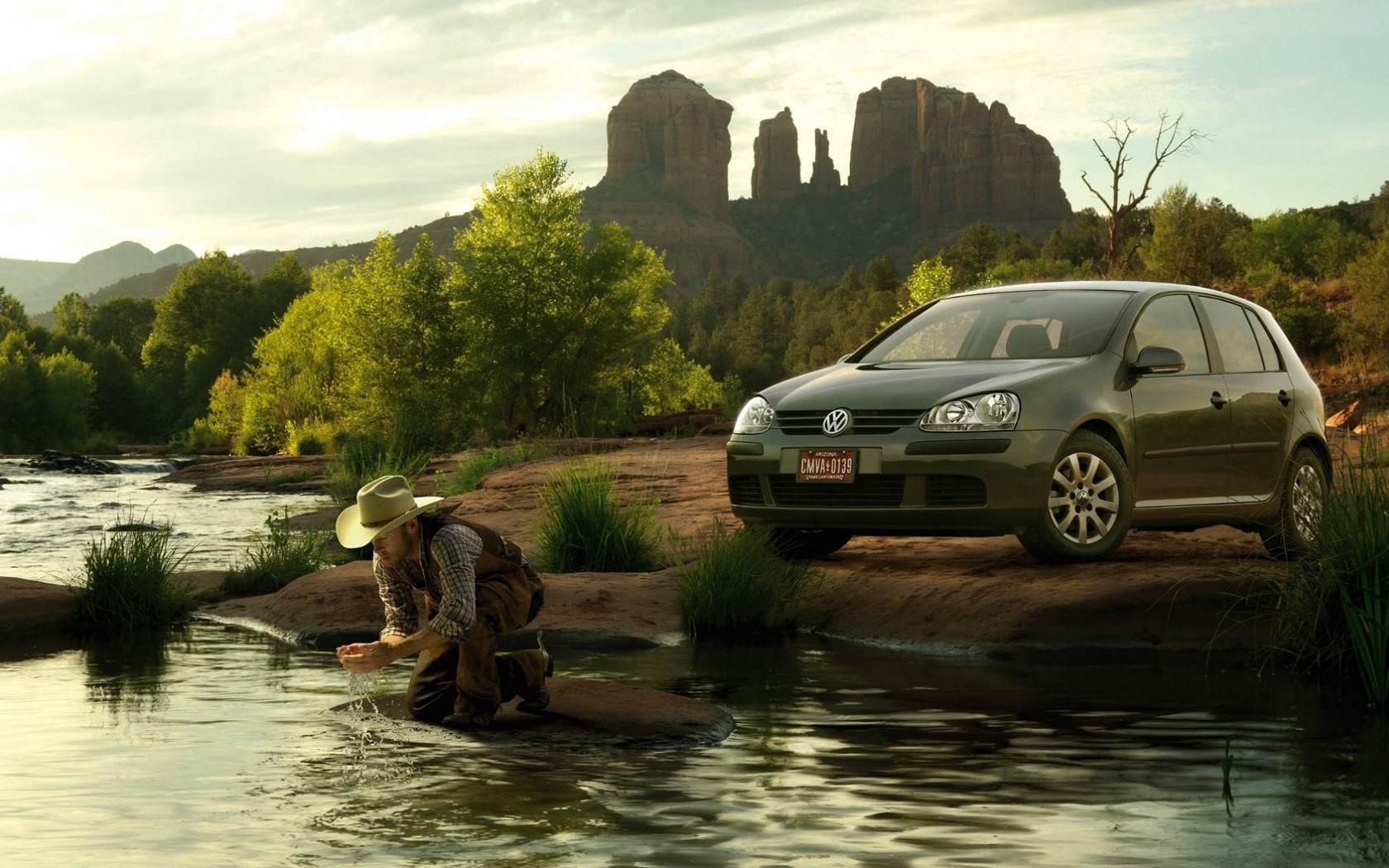 24648 скачать обои Транспорт, Машины, Люди, Река, Фольксваген (Volkswagen), Мужчины - заставки и картинки бесплатно