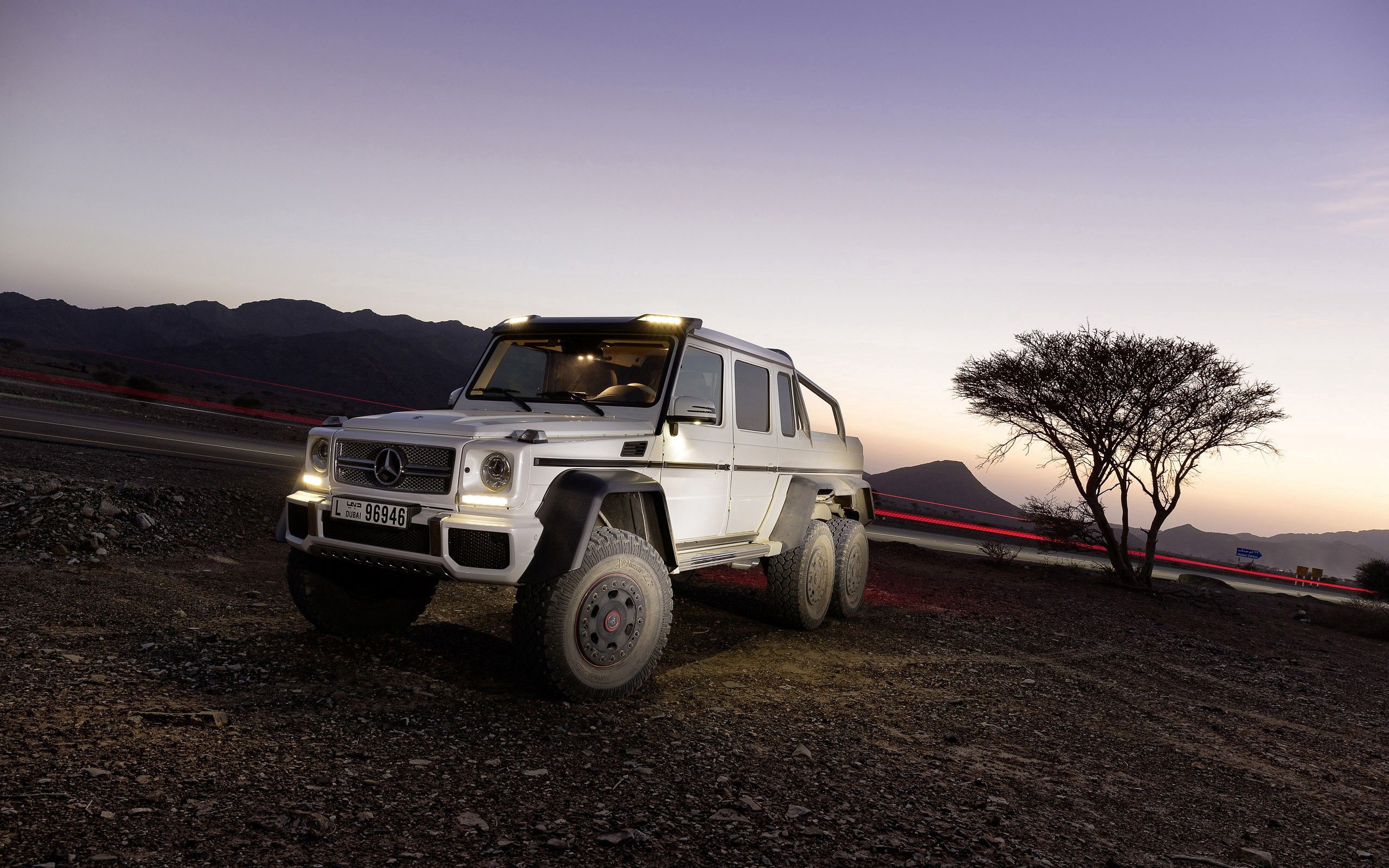 136723 download wallpaper Cars, Mercedes-Benz, Auto, Stones screensavers and pictures for free