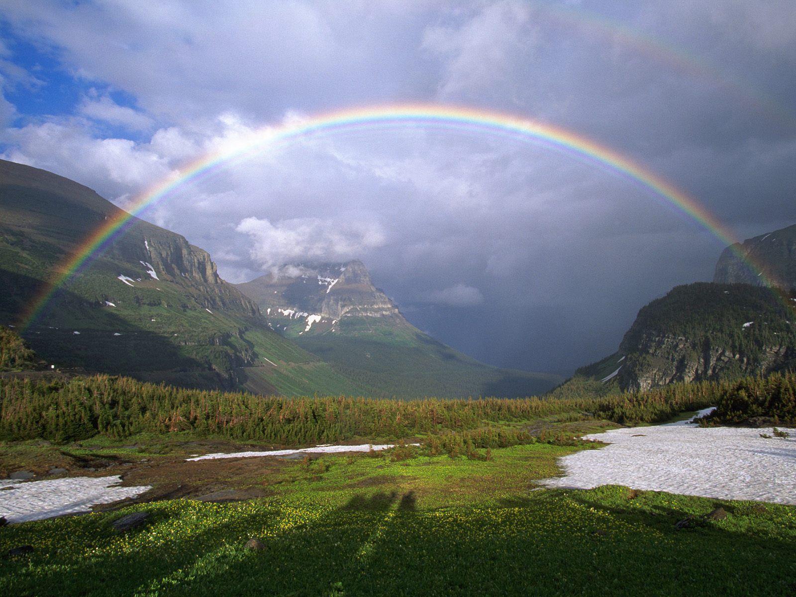 152979 скачать обои Радуга, Зелень, Природа, Горы, Снег, Тучи - заставки и картинки бесплатно