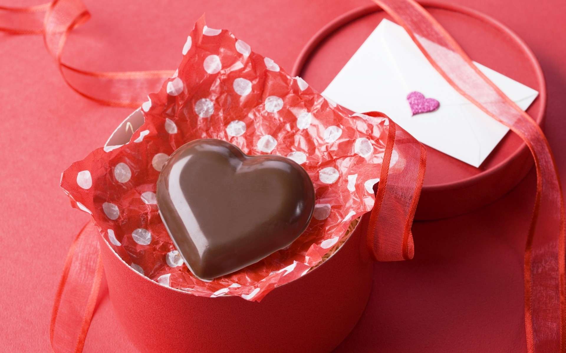28480 download wallpaper Holidays, Food, Hearts, Chocolate, Love, Valentine's Day screensavers and pictures for free