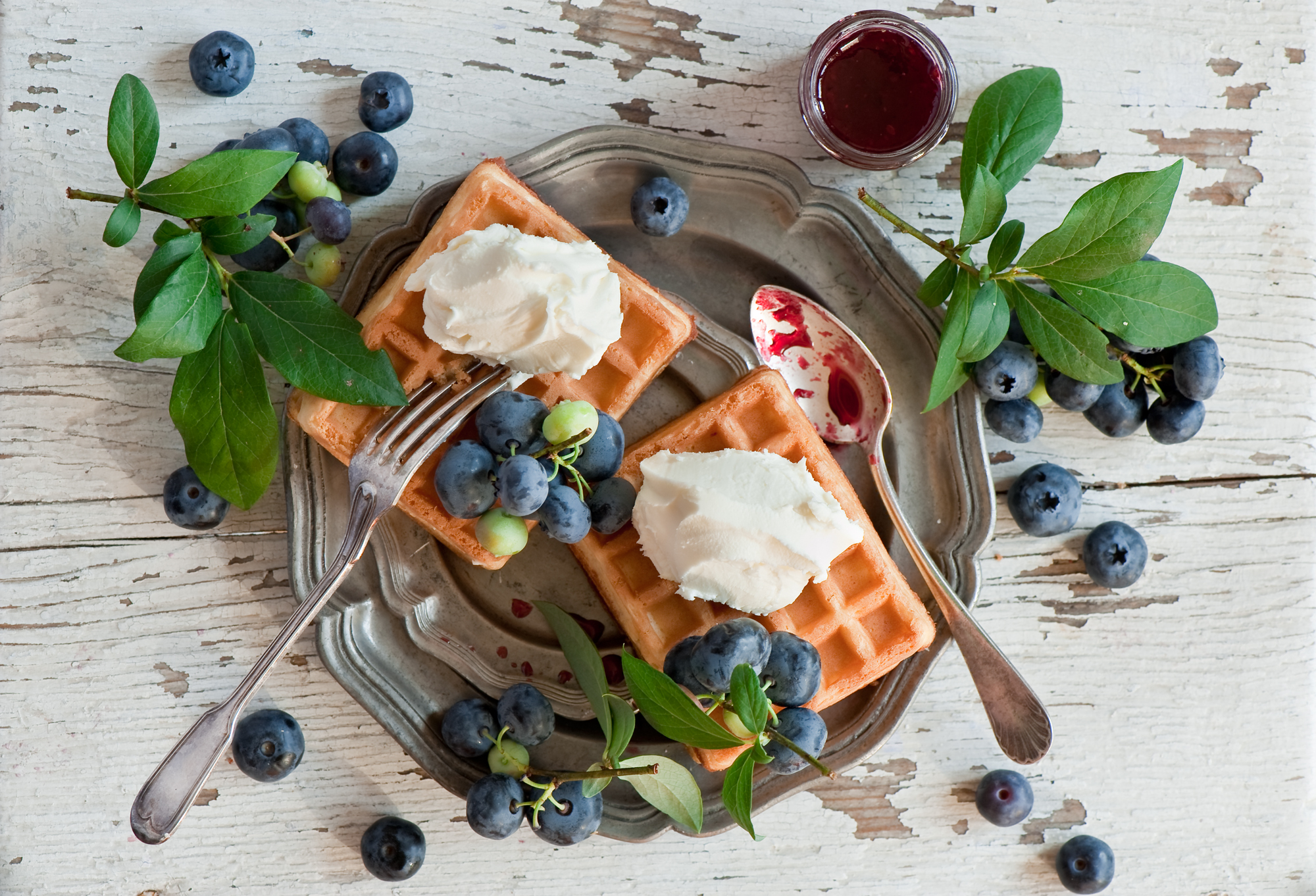 125608 download wallpaper Food, Vienna Waffles, Viennese Waffles, Waffles, Desert, Blueberry, Berries screensavers and pictures for free