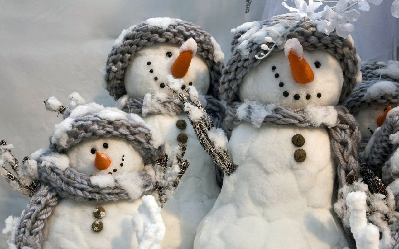 19530 скачать обои Рождество (Christmas, Xmas), Новый Год (New Year), Праздники, Зима, Игрушки, Снеговики - заставки и картинки бесплатно