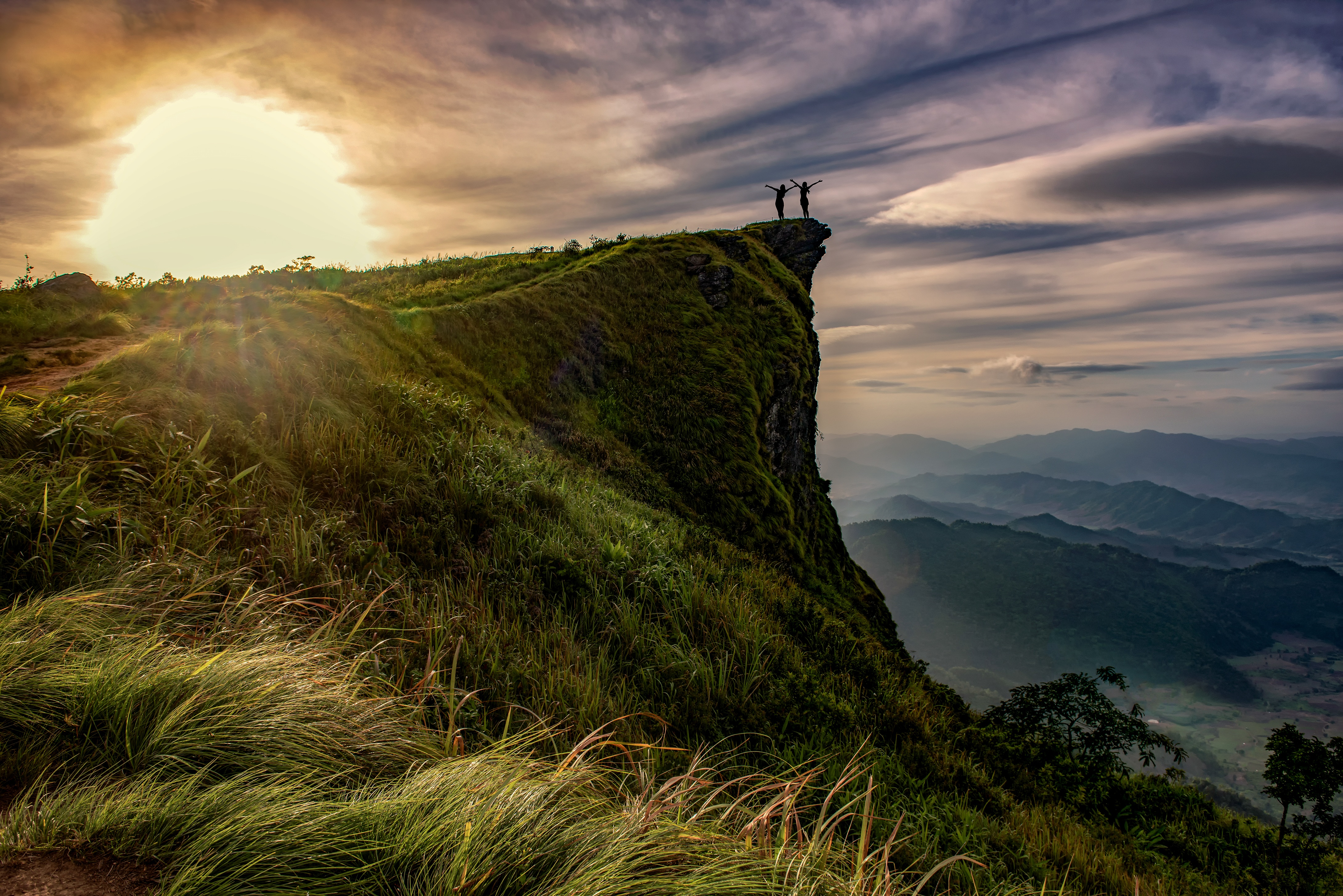 146451 download wallpaper Nature, Mountain, Vertex, Top, People, Victory, Freedom, Conquest screensavers and pictures for free