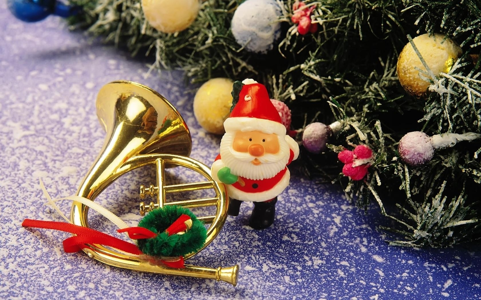 26272 download wallpaper Holidays, New Year, Santa Claus, Christmas, Xmas screensavers and pictures for free