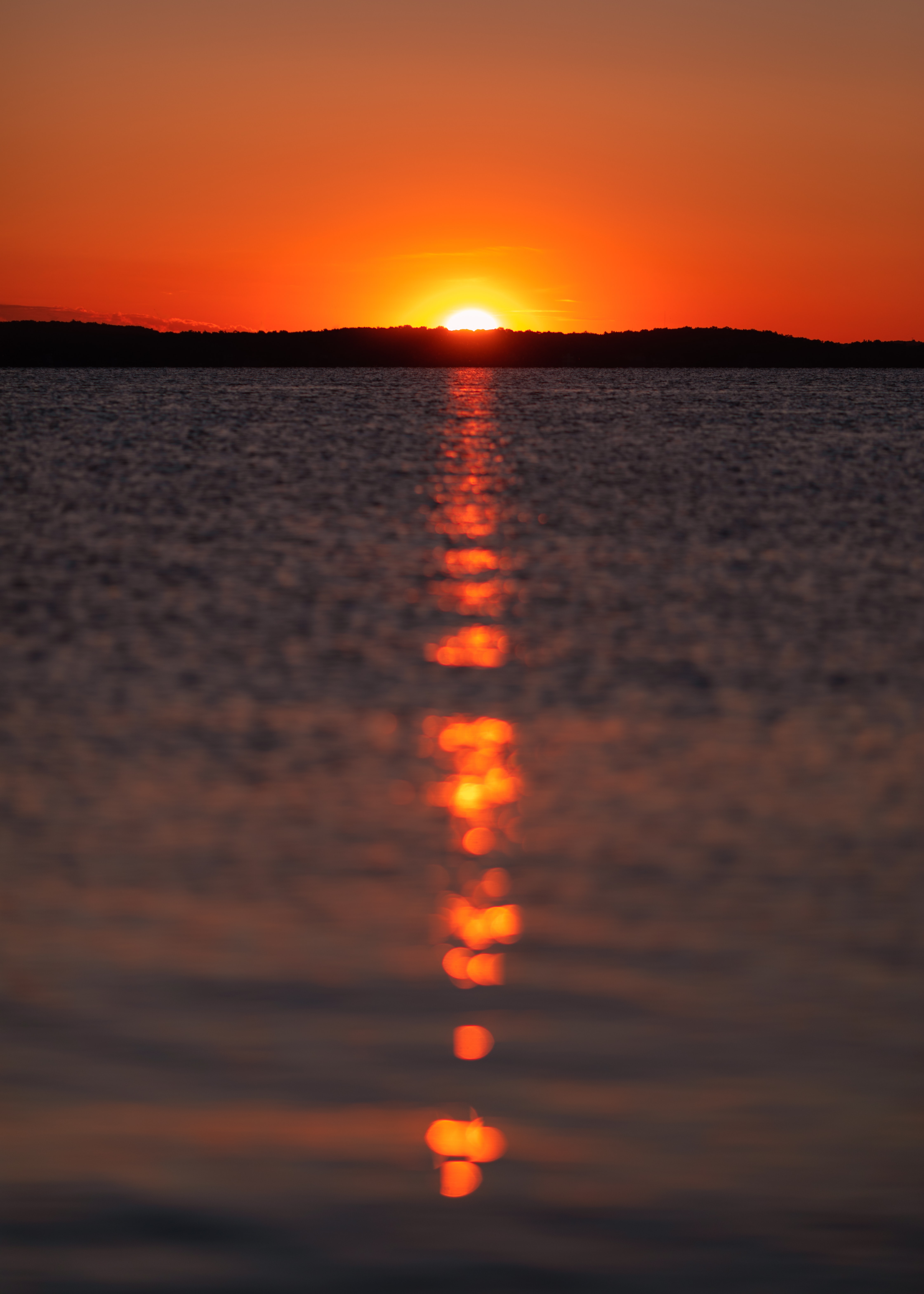109223 download wallpaper Nature, Sunset, Glare, Sea, Sun screensavers and pictures for free