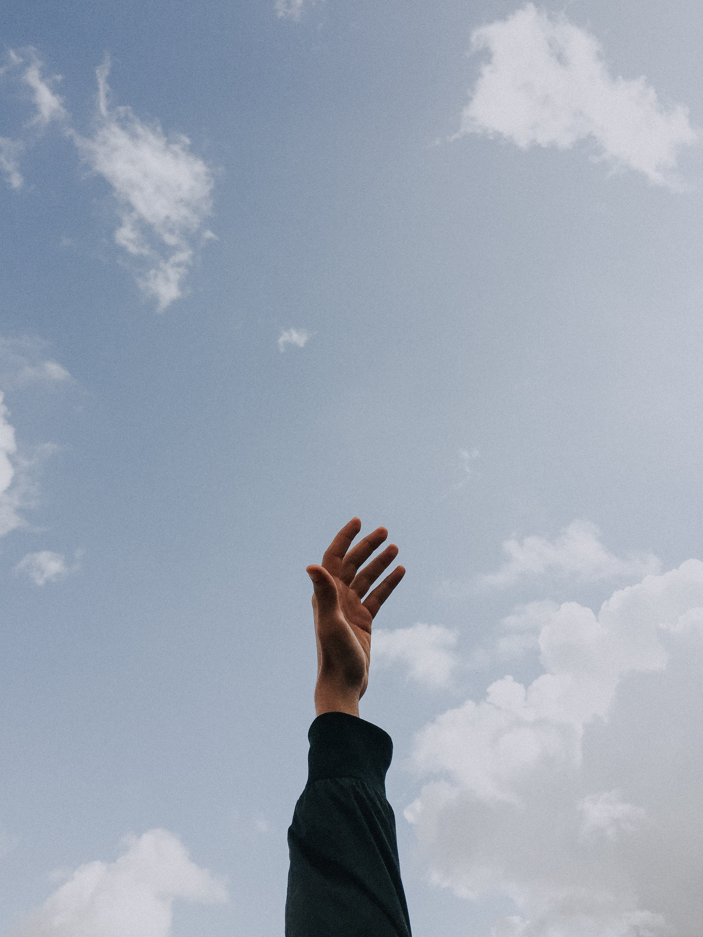 141950 download wallpaper Sky, Clouds, Hand, Minimalism, Fingers, Freedom, Lift Up, Raise screensavers and pictures for free