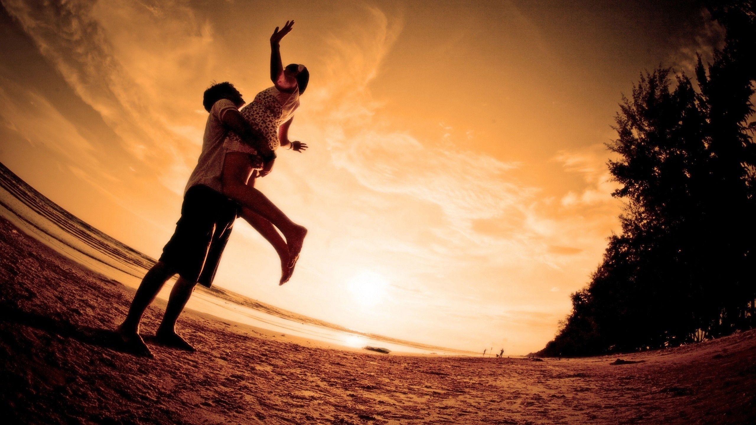 60921 скачать обои Любовь, Пара, Объятие, Счастье, Силуэты, Вечер - заставки и картинки бесплатно