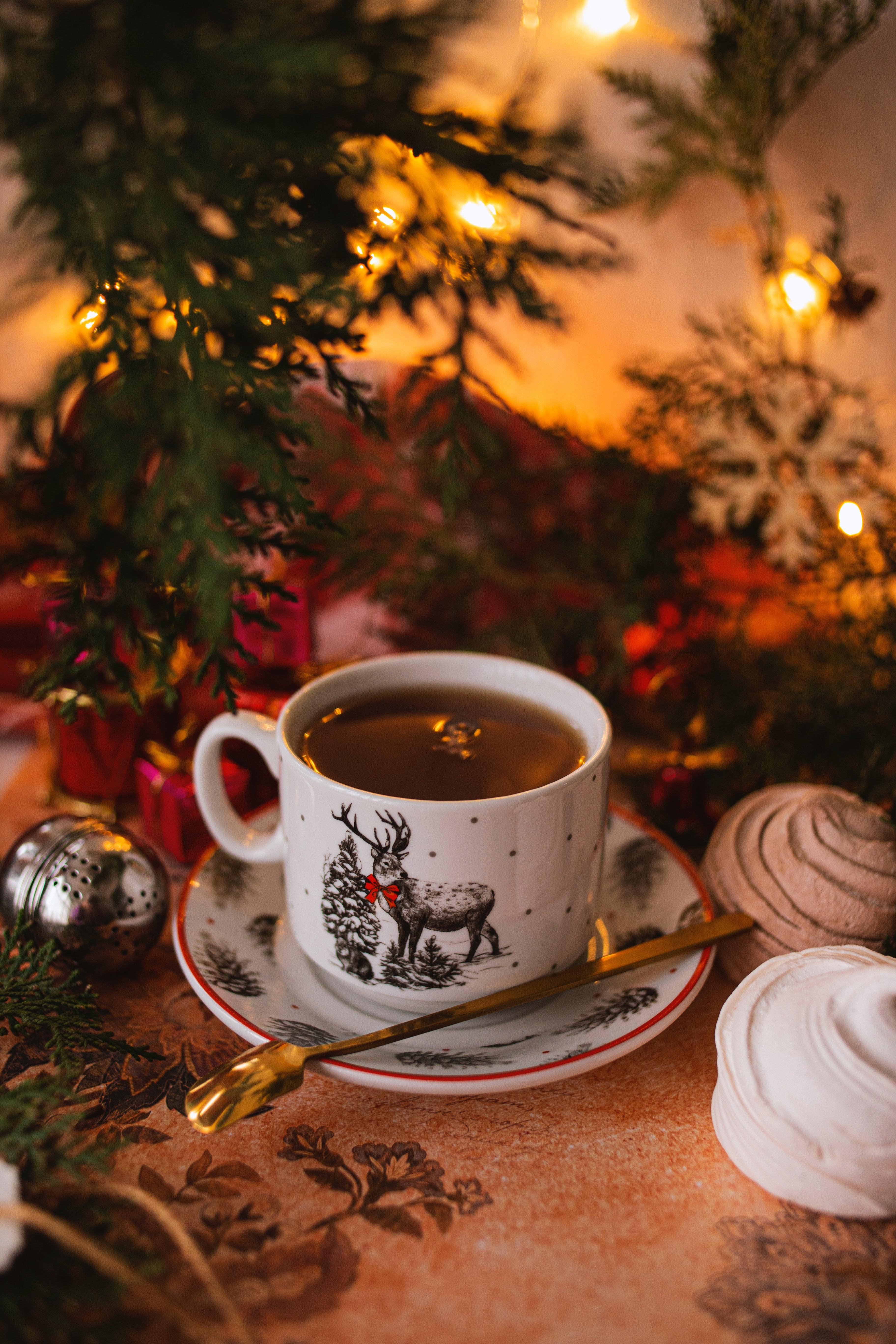 103147 обои 320x480 на телефон бесплатно, скачать картинки Чай, Рождество, Праздники, Чашка, Новый Год, Праздник 320x480 на мобильный