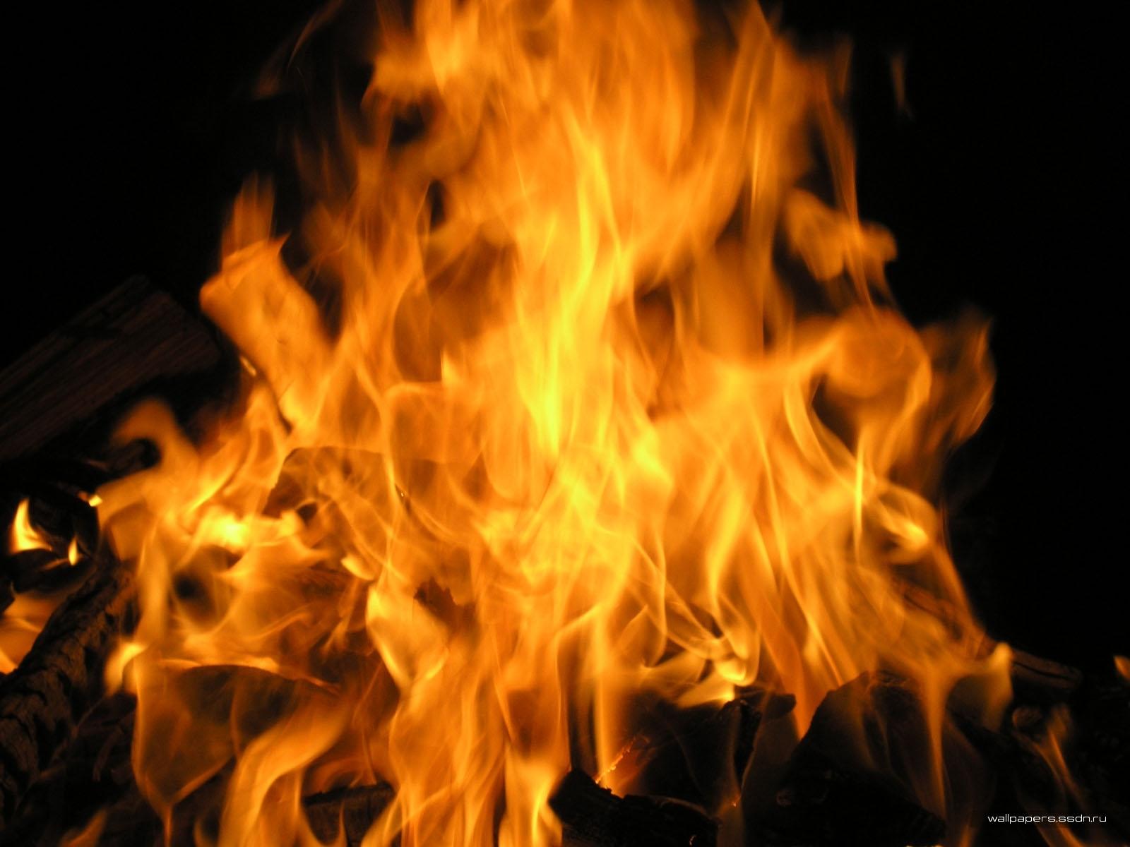 94 Hintergrundbild herunterladen Landschaft, Feuer, Bonfire, Fotokunst - Bildschirmschoner und Bilder kostenlos