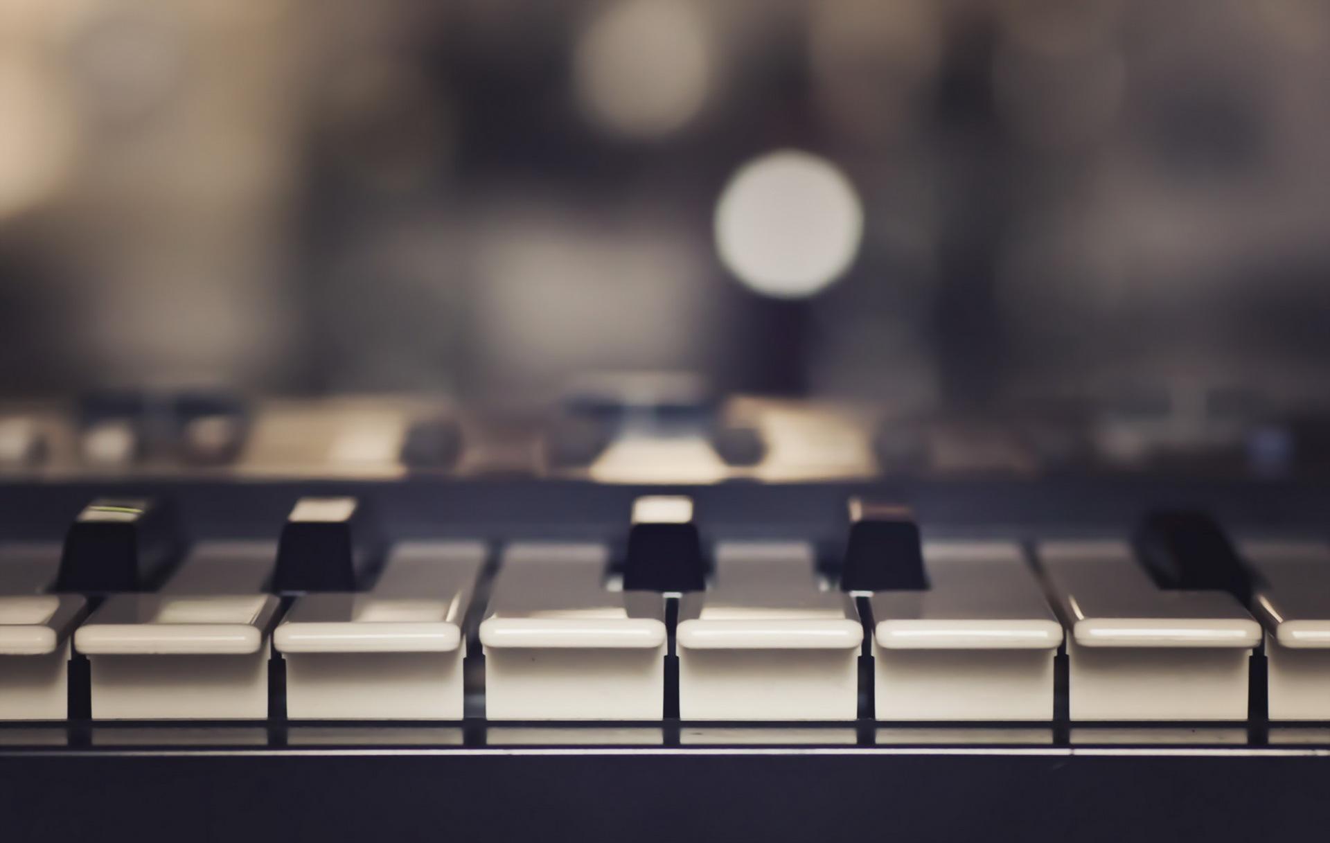150477 baixar papel de parede Música, Piano, Instrumento Musical, Chaves - protetores de tela e imagens gratuitamente