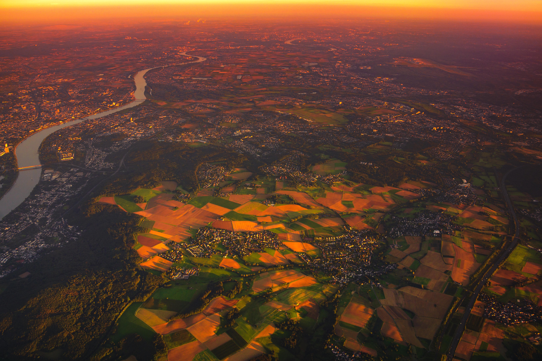 85149 Hintergrundbild 720x1280 kostenlos auf deinem Handy, lade Bilder Landschaft, Städte, Sunset, Morgendämmerung, Blick Von Oben, Dorf 720x1280 auf dein Handy herunter