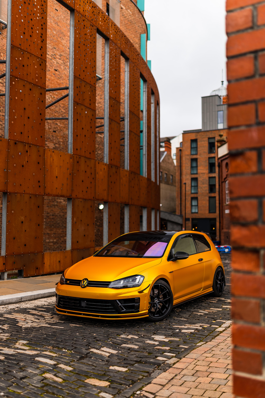 89406 обои 320x480 на телефон бесплатно, скачать картинки Фольксваген (Volkswagen), Тачки (Cars), Вид Спереди, Машина, Желтый, Volkswagen Golf Mk5 320x480 на мобильный