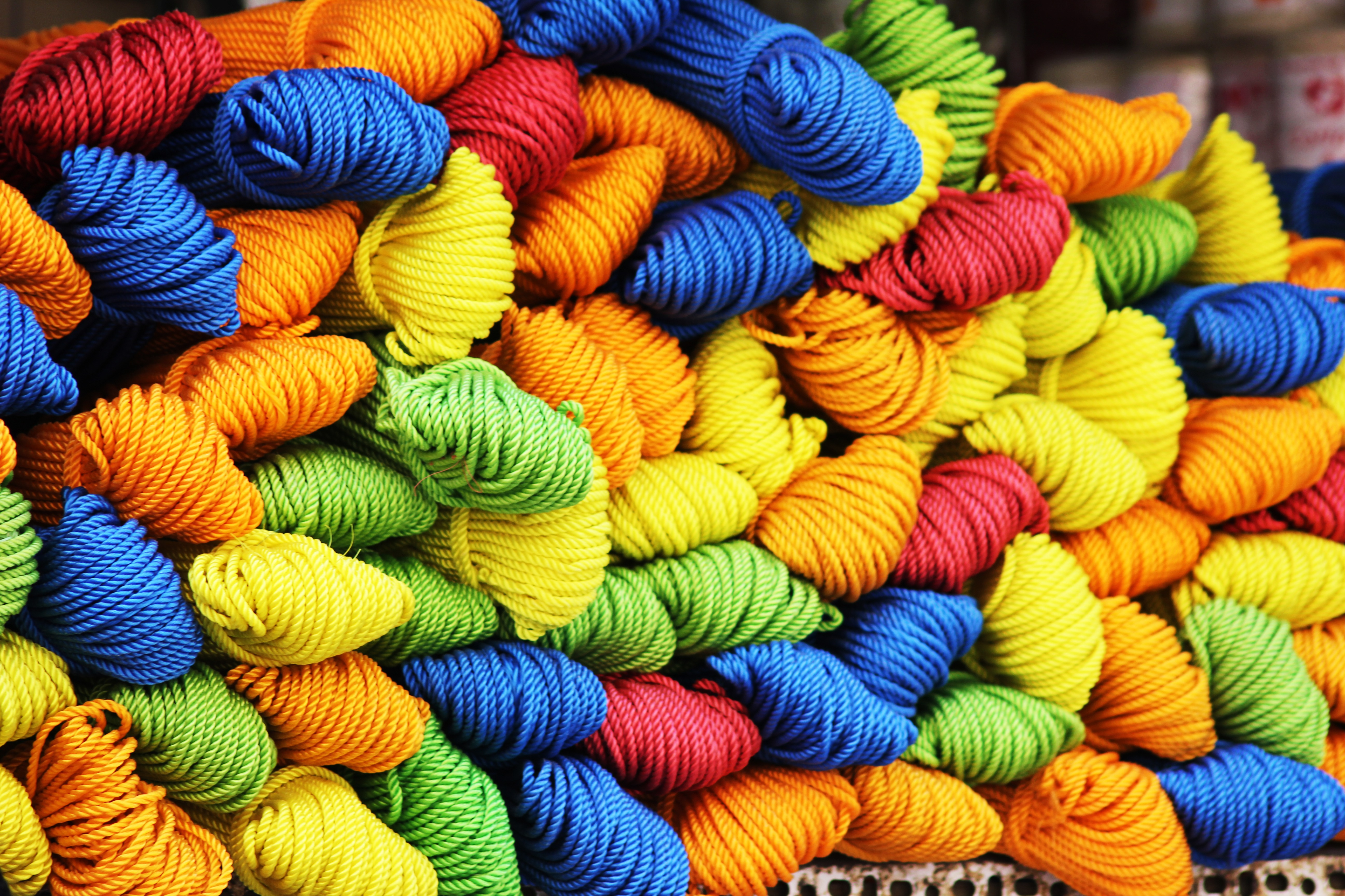52763 download wallpaper Multicolored, Miscellanea, Miscellaneous, Motley, Threads, Thread, Yarn screensavers and pictures for free