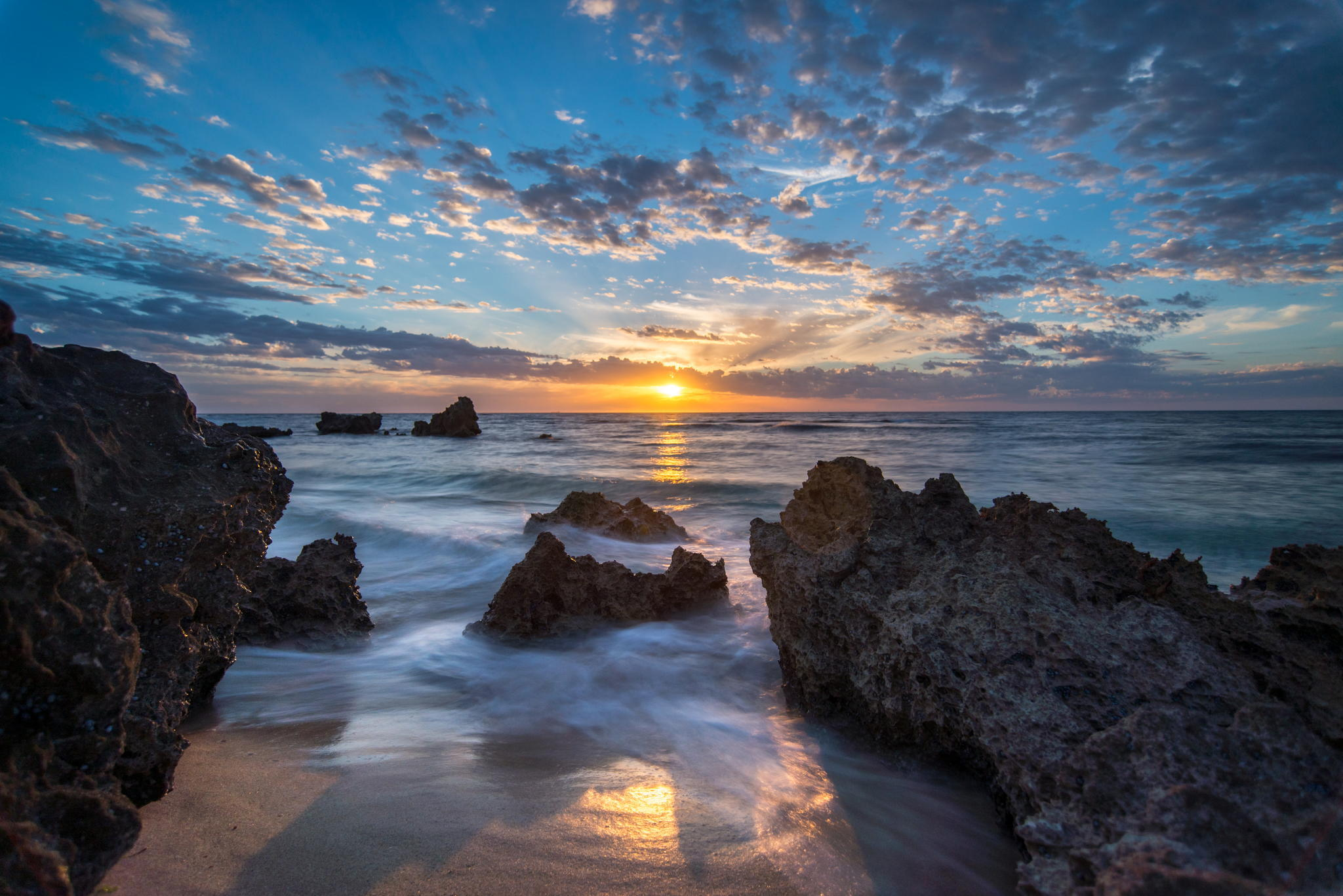57691 download wallpaper Nature, Sea, Sunset, Stones, Shore, Bank screensavers and pictures for free