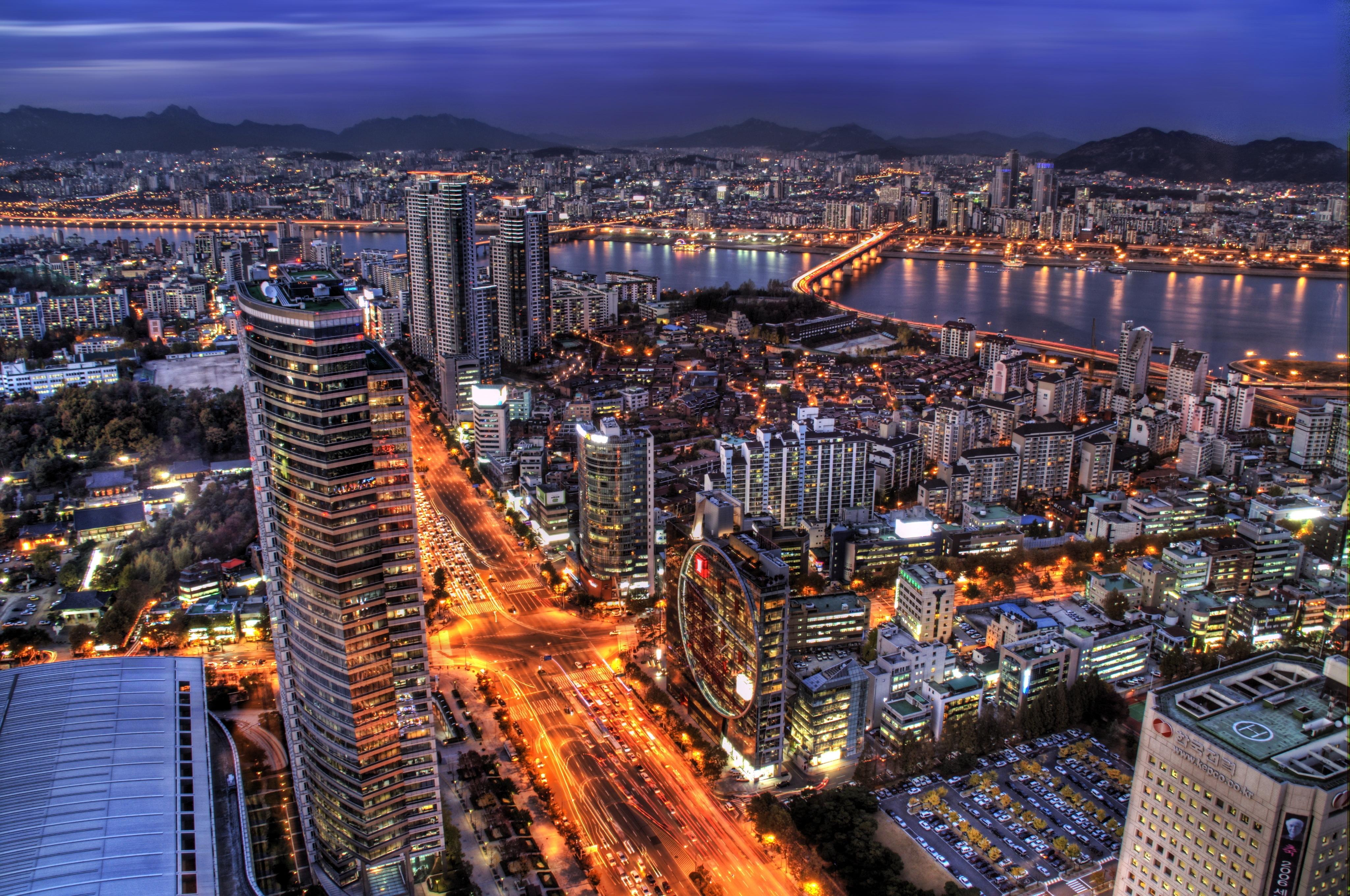 Laden Sie das kostenlose Hintergrundbild 147722: Städte, Sky, Wolkenkratzer, Die Lichter, Lichter, Hintergrundbeleuchtung, Beleuchtung, Abend, Hdr, Seoul, Südkorea, Hauptstadt Hintergrundbild für das Handy herunter
