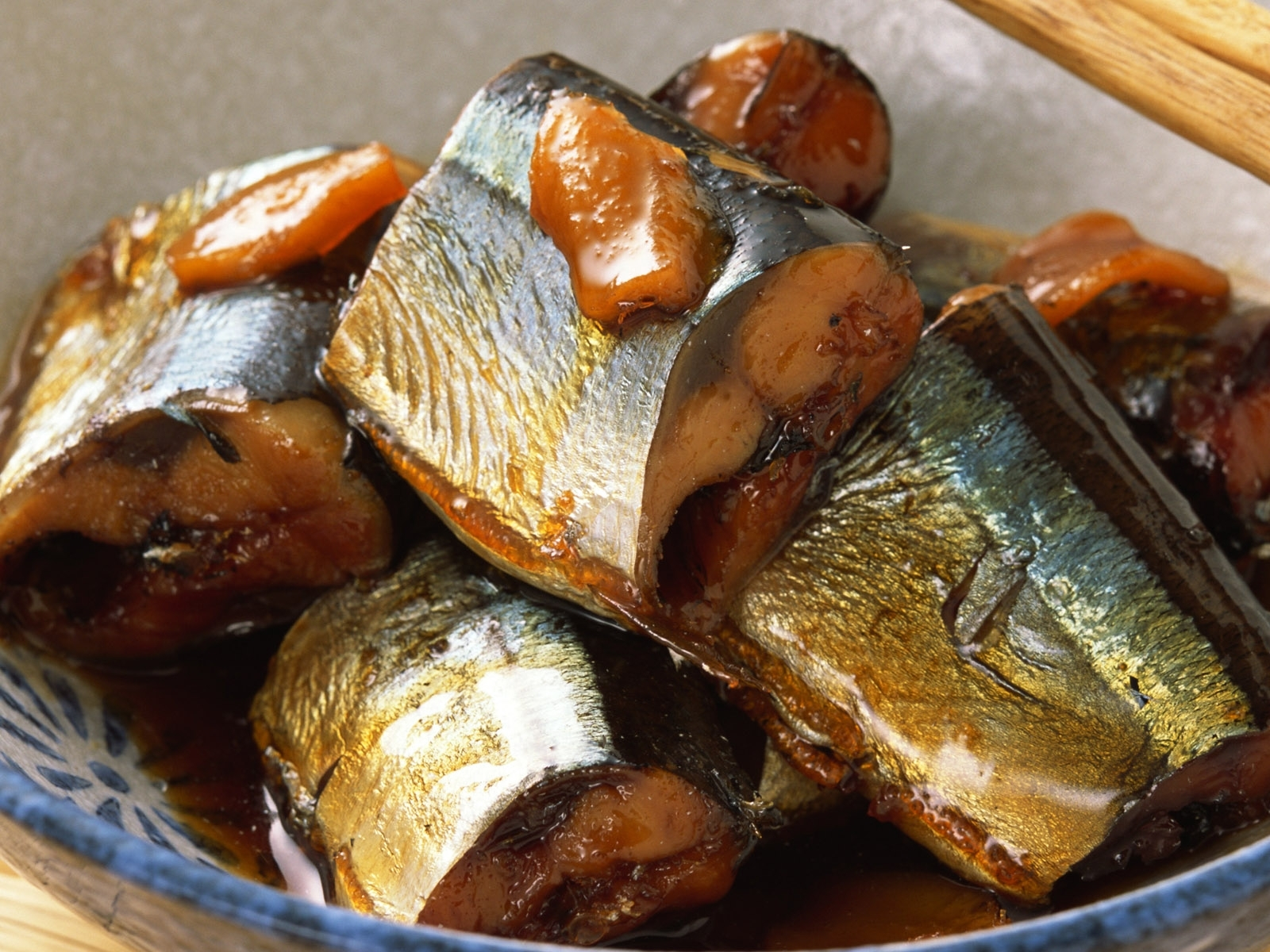 7168 download wallpaper Food, Fishes screensavers and pictures for free