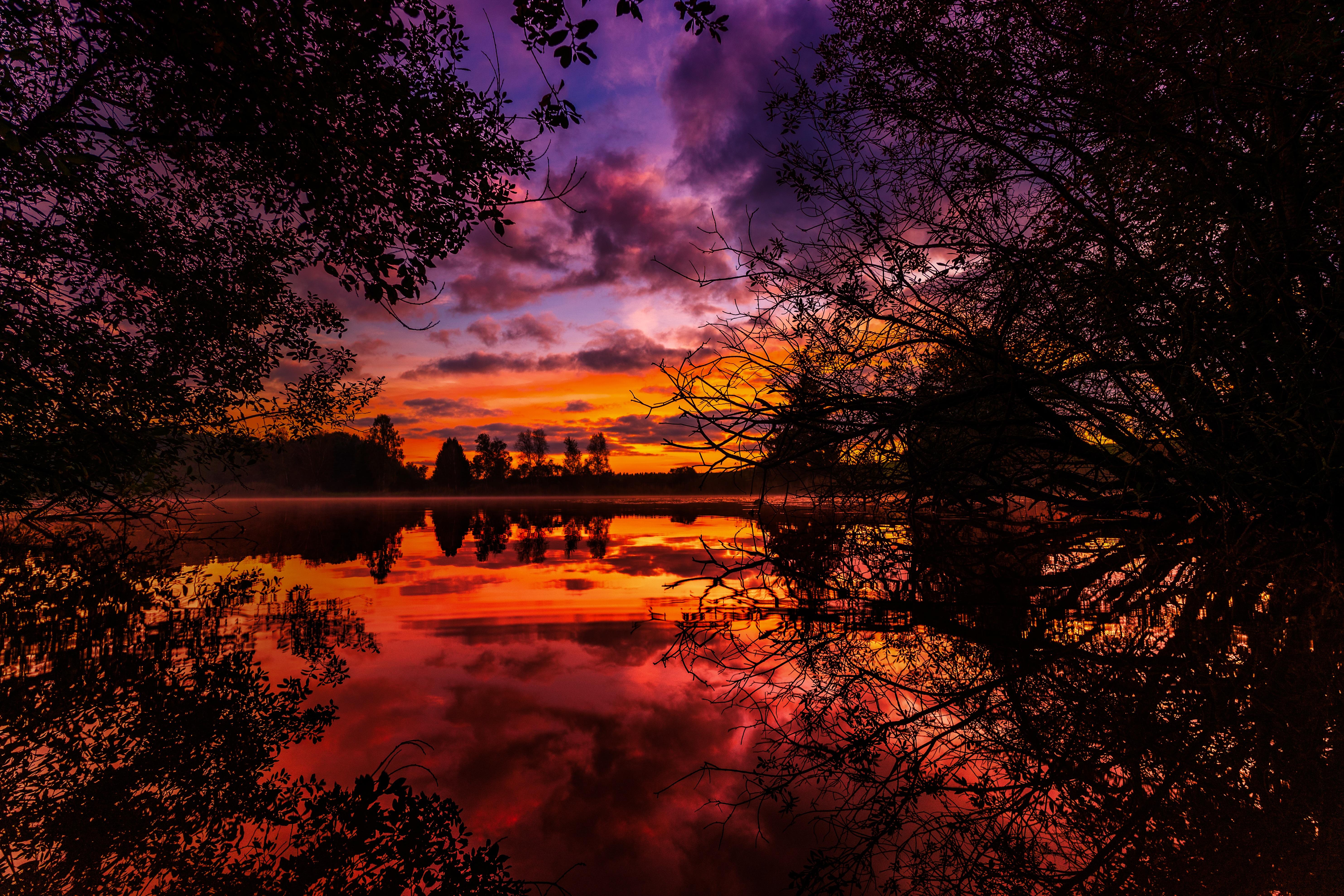 Завантажити картинку 156111: Природа, Річка, Дерева, Захід, Осінь шпалери на робочий стіл безкоштовно