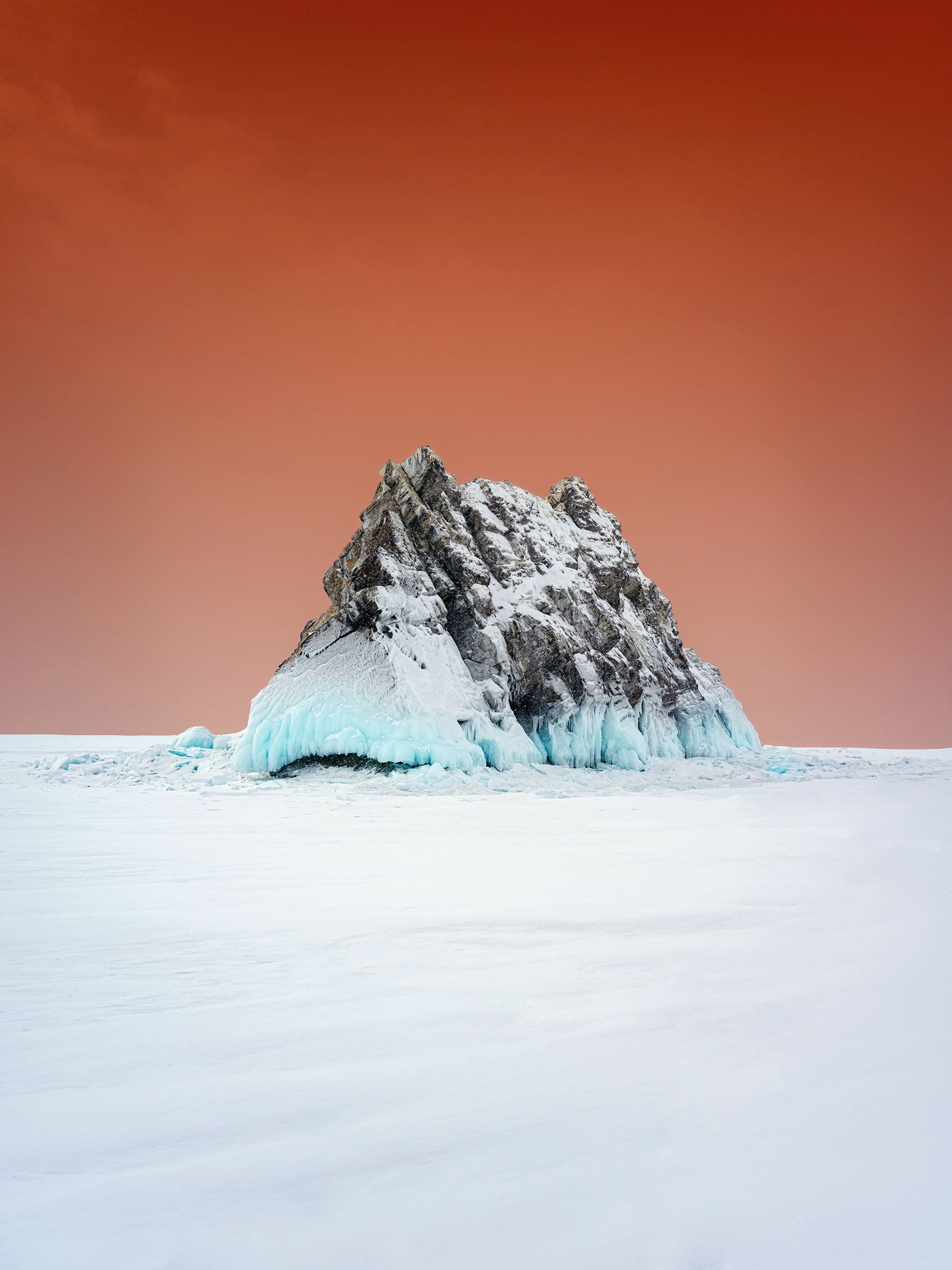 150813 download wallpaper Minimalism, Rock, Snow, Winter screensavers and pictures for free