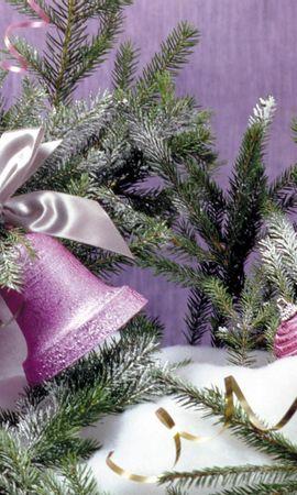 120847 скачать обои Праздники, Колокольчики, Хвоя, Елочная Игрушка, Снег, Праздник, Рождество - заставки и картинки бесплатно