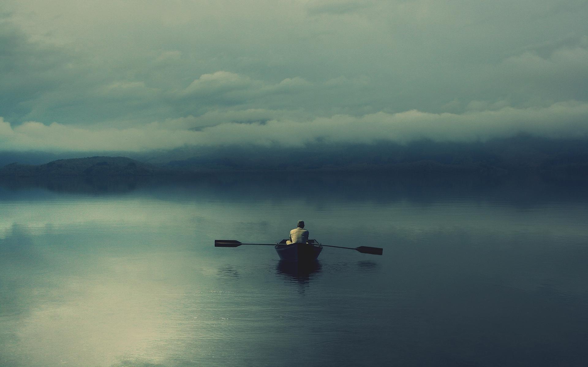 Скачать картинку Мужчины, Лодки, Река, Пейзаж, Люди в телефон бесплатно.