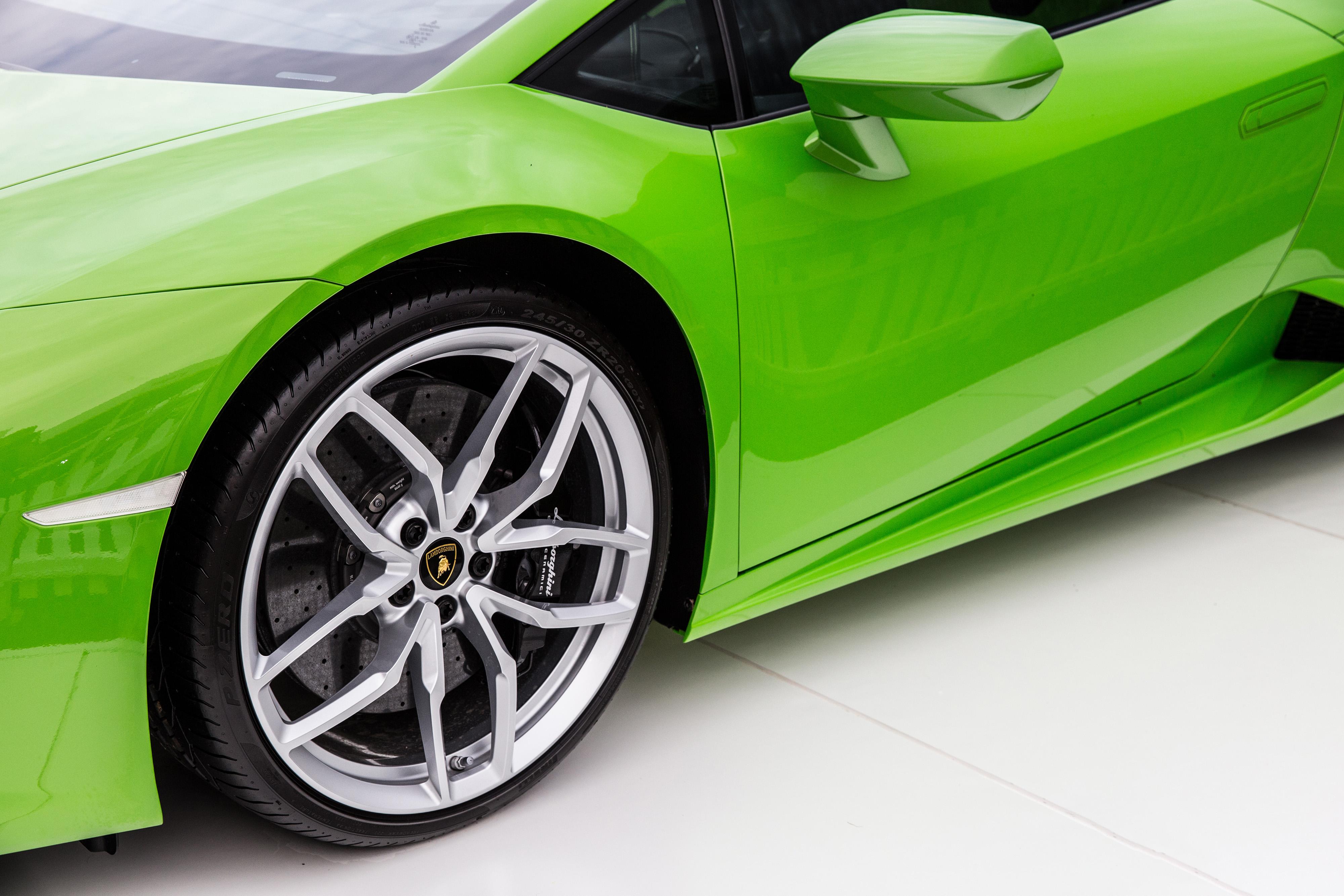 120837 Заставки и Обои Ламборджини (Lamborghini) на телефон. Скачать Ламборджини (Lamborghini), Тачки (Cars), Зеленый, Колесо, Дверь картинки бесплатно