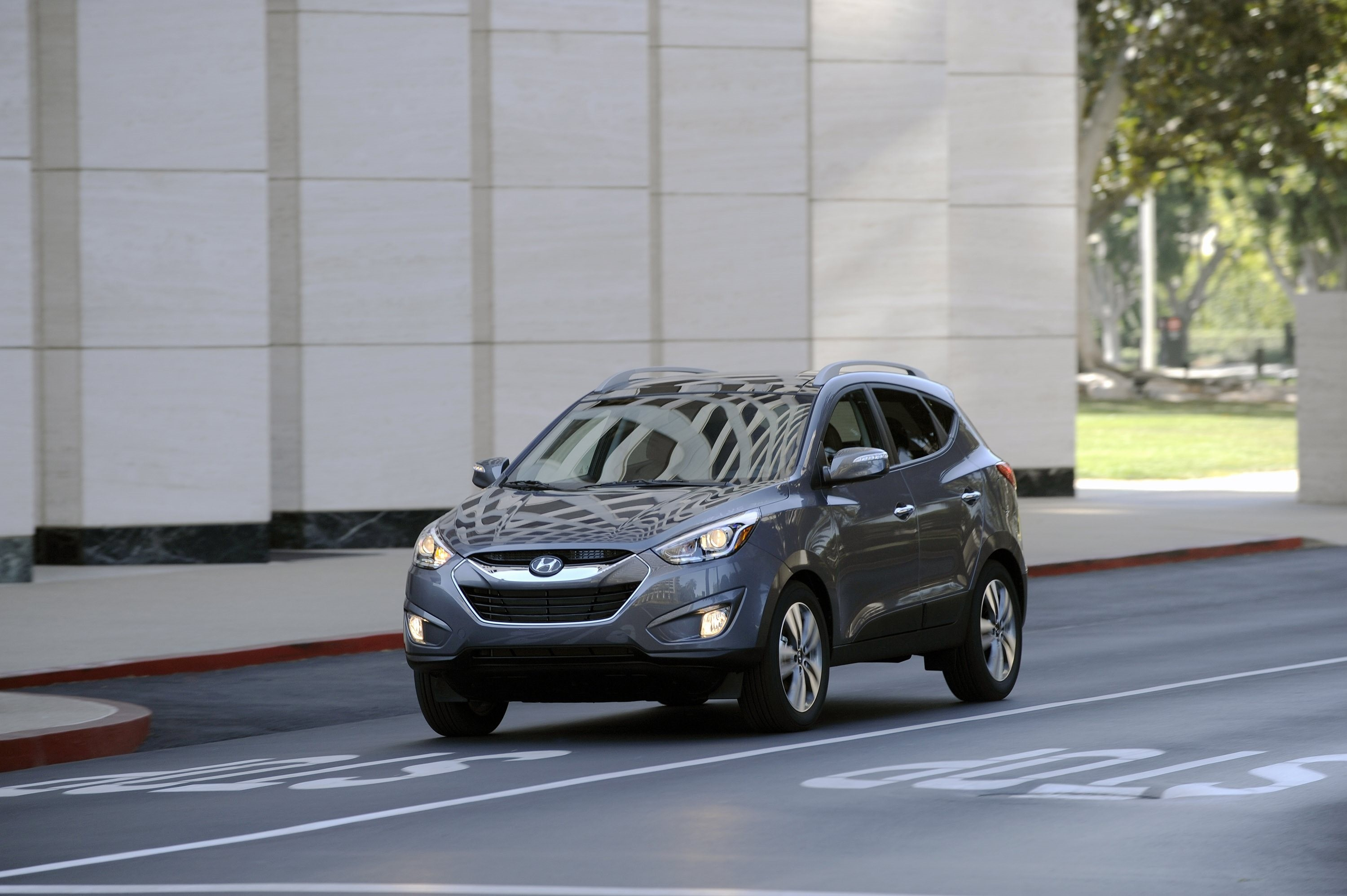 59278 Screensavers and Wallpapers Hyundai for phone. Download Auto, Hyundai, Cars, Grey, Design, Style, Crossover, Tucson pictures for free