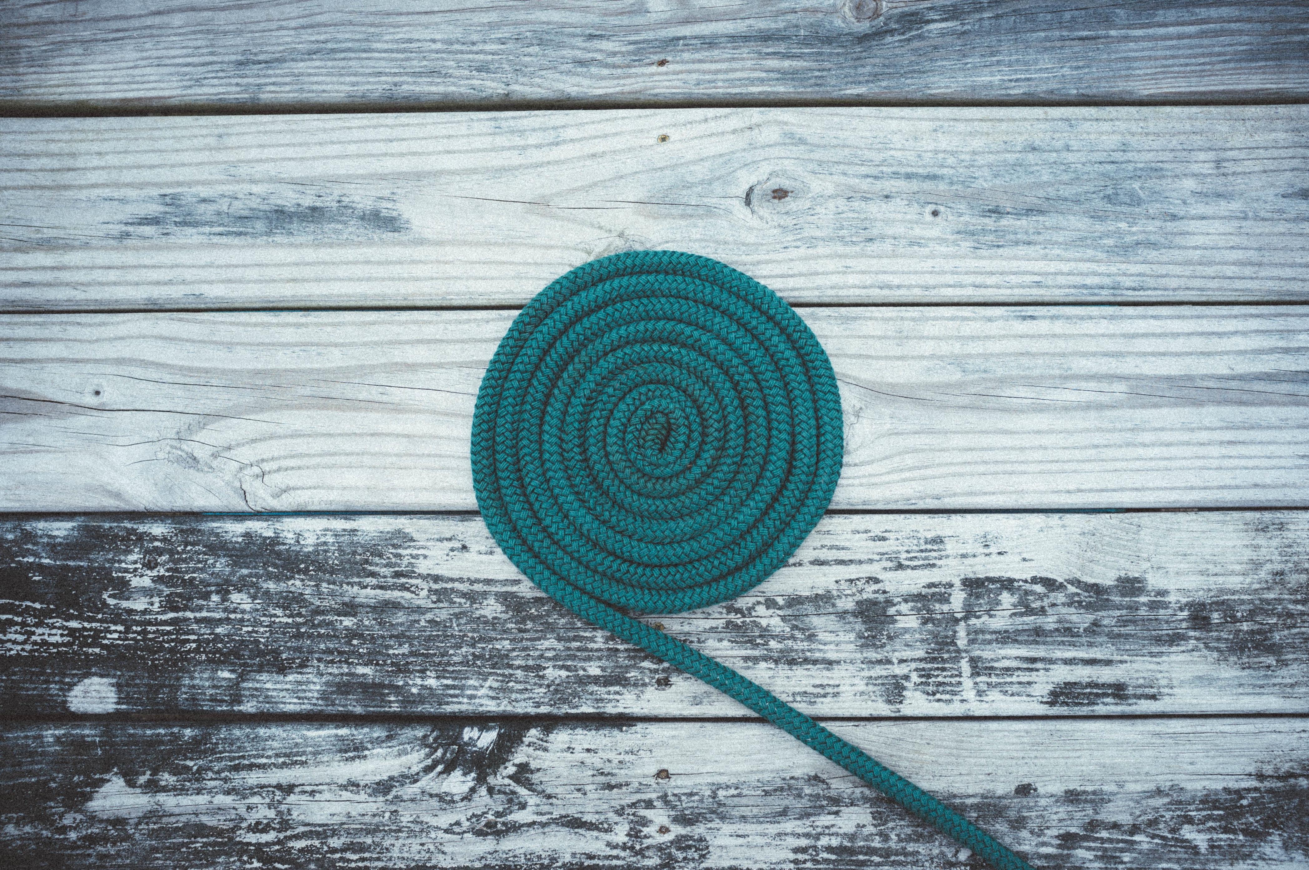 86969 Hintergrundbild herunterladen Minimalismus, Kabel, Spiral, Spirale, Deck, Seil - Bildschirmschoner und Bilder kostenlos