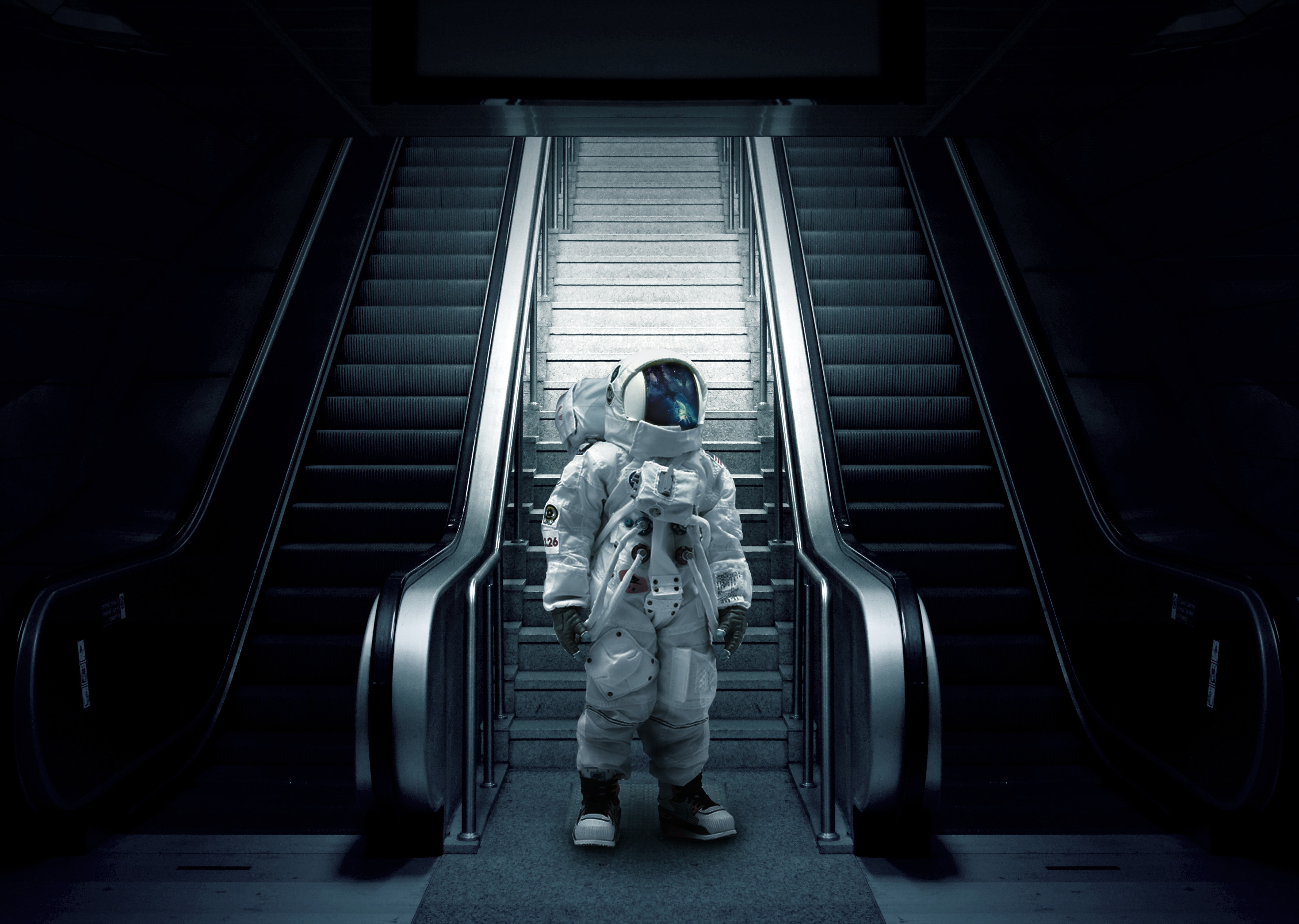 124947 download wallpaper Miscellanea, Miscellaneous, Astronaut, Cosmonaut, Spacesuit, Space Suit, Escalator, Stairs, Ladder screensavers and pictures for free