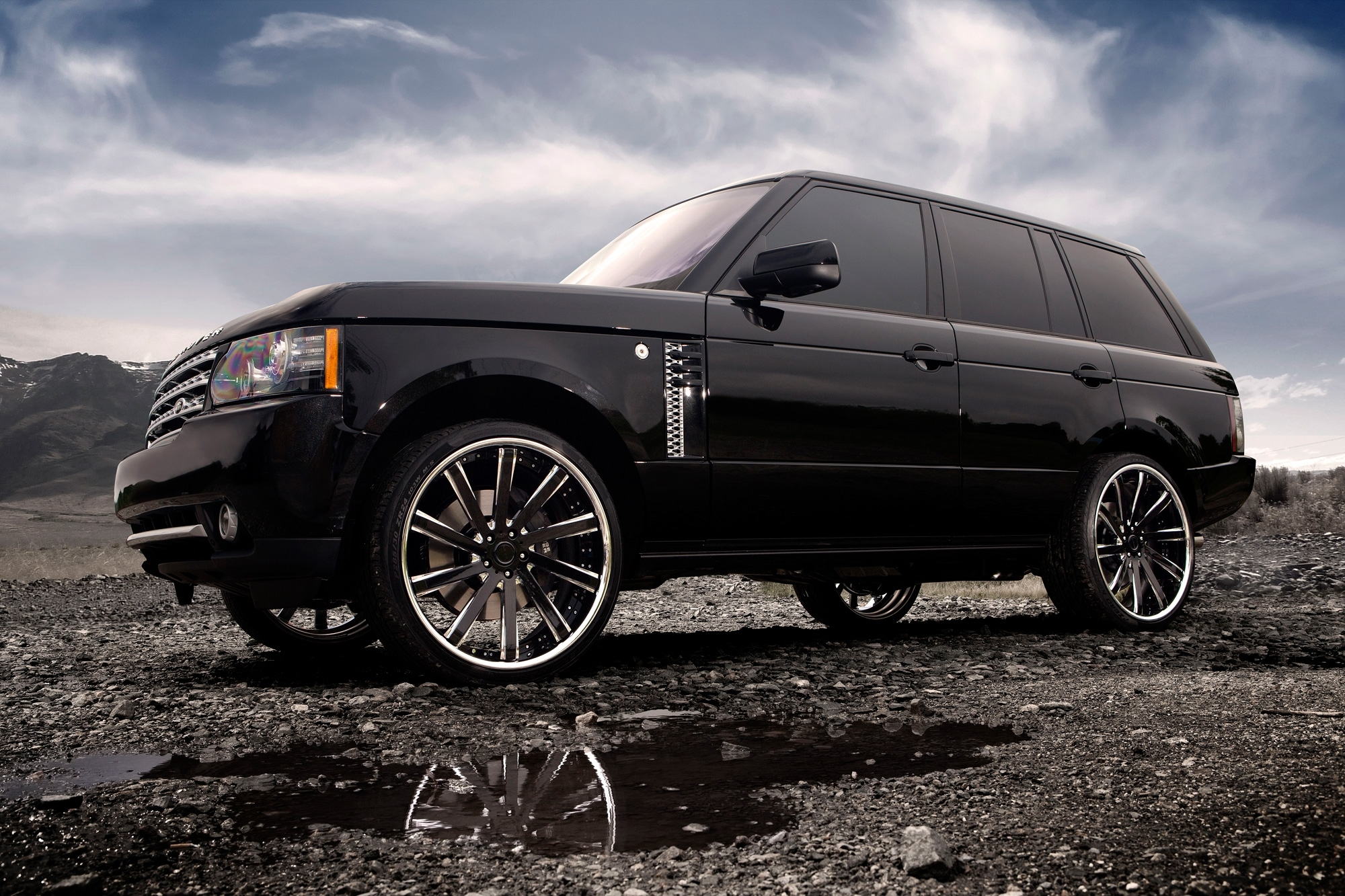115496 Screensavers and Wallpapers Auto for phone. Download Auto, Tuning, Clouds, Range Rover, Land Rover, Cars, Disks, Drives pictures for free