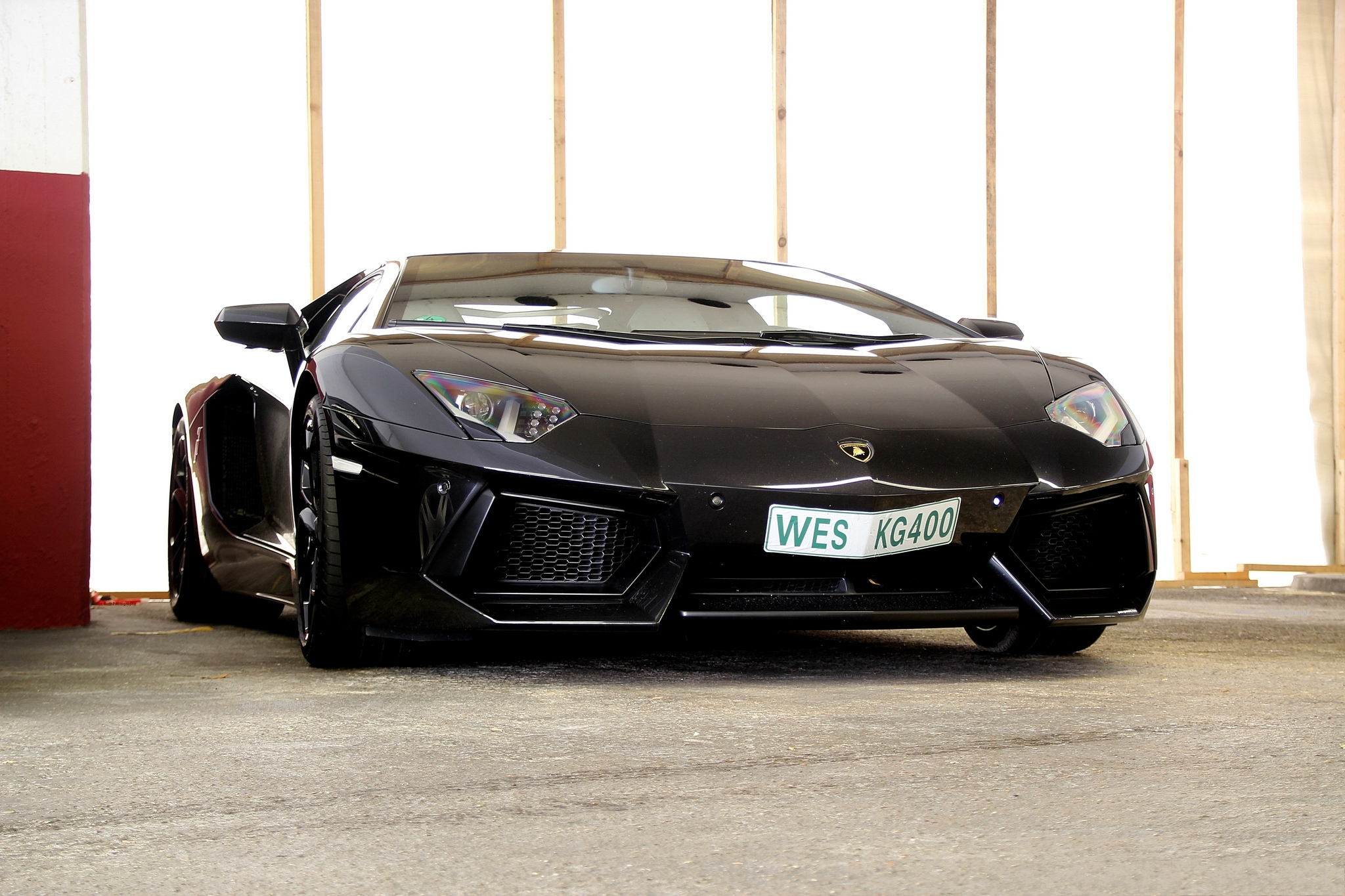 118681 download wallpaper Lamborghini, Cars, Side View, Aventador, Lp700-4 screensavers and pictures for free