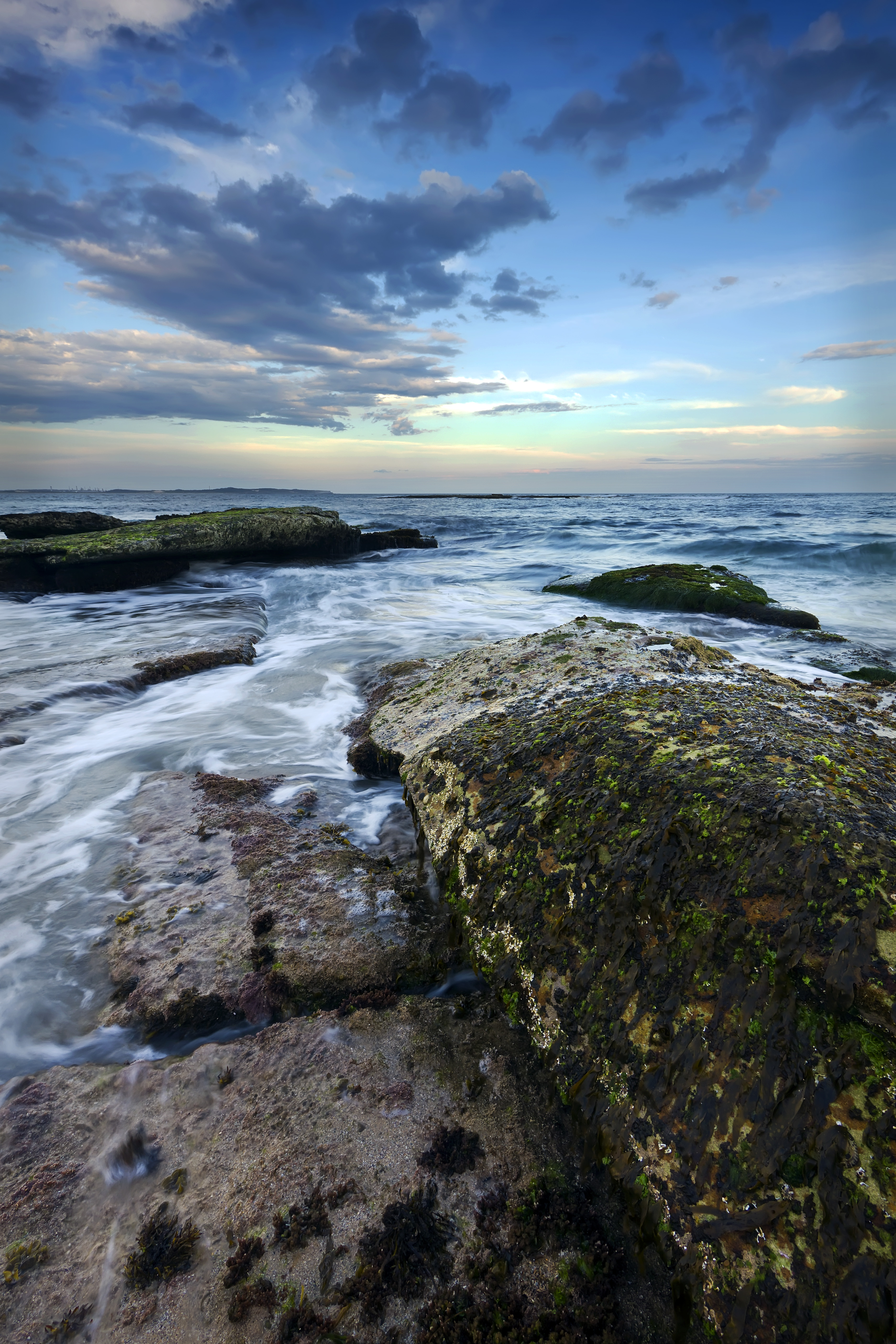 56395 download wallpaper Nature, Stones, Sea, Horizon, Waves screensavers and pictures for free